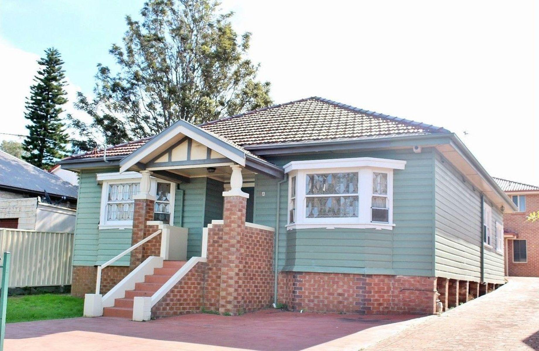 12A Robinson Street, Wollongong, NSW 2500