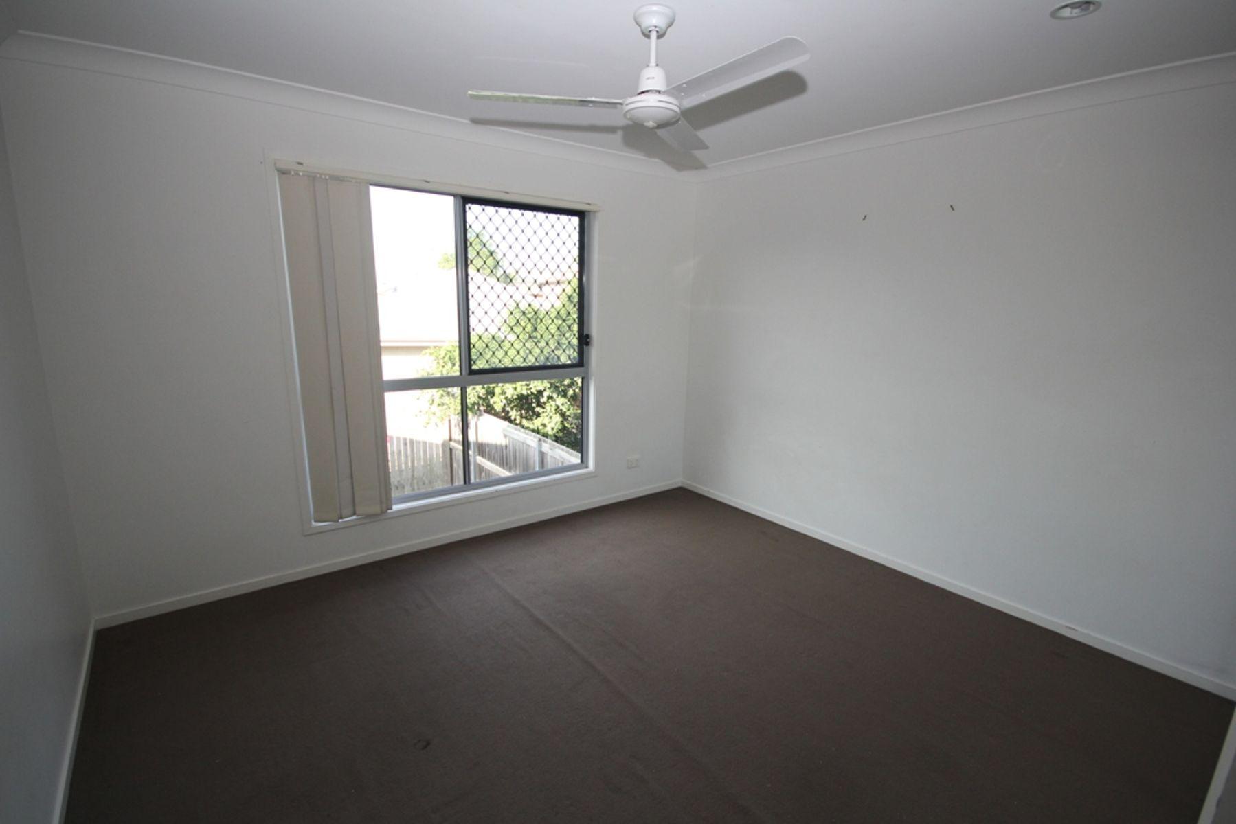 10 Kinglake Avenue, Springfield Lakes, QLD 4300