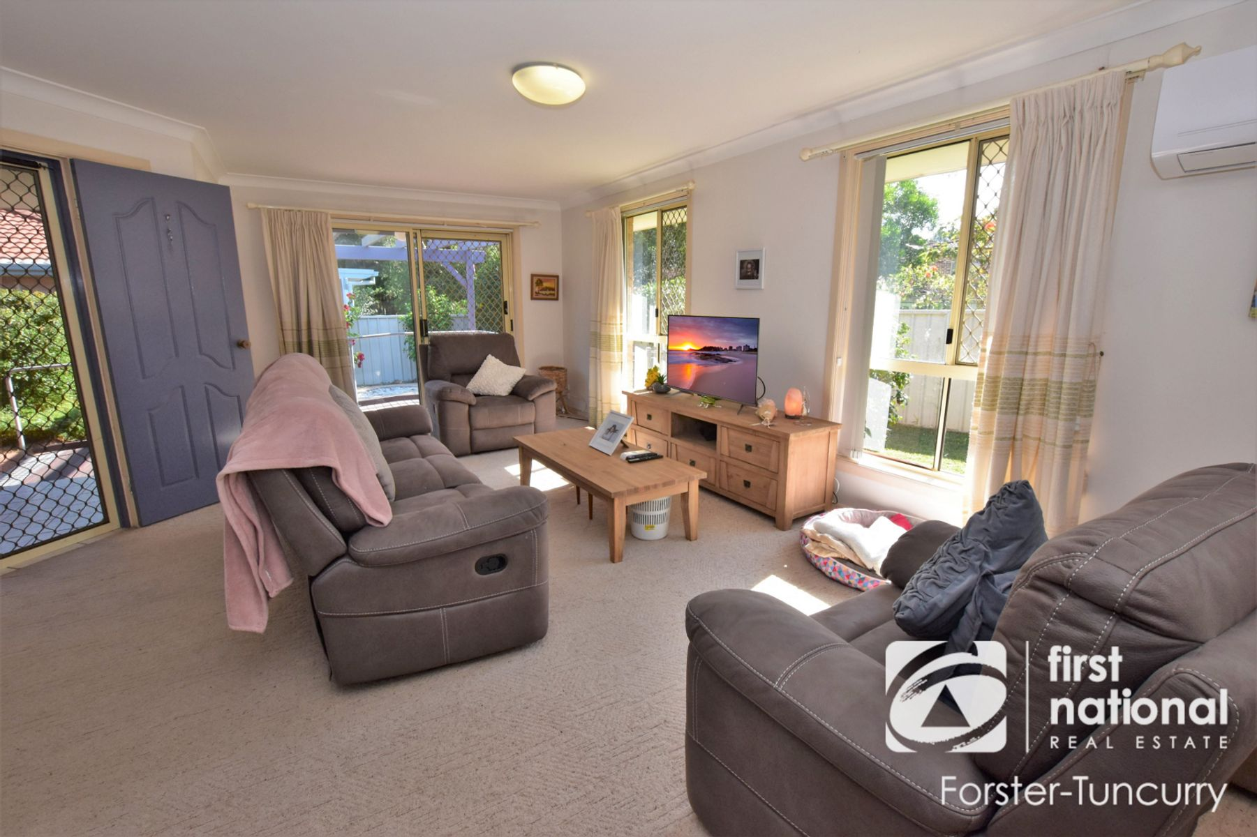 2/15 Cocos Crescent, Forster, NSW 2428