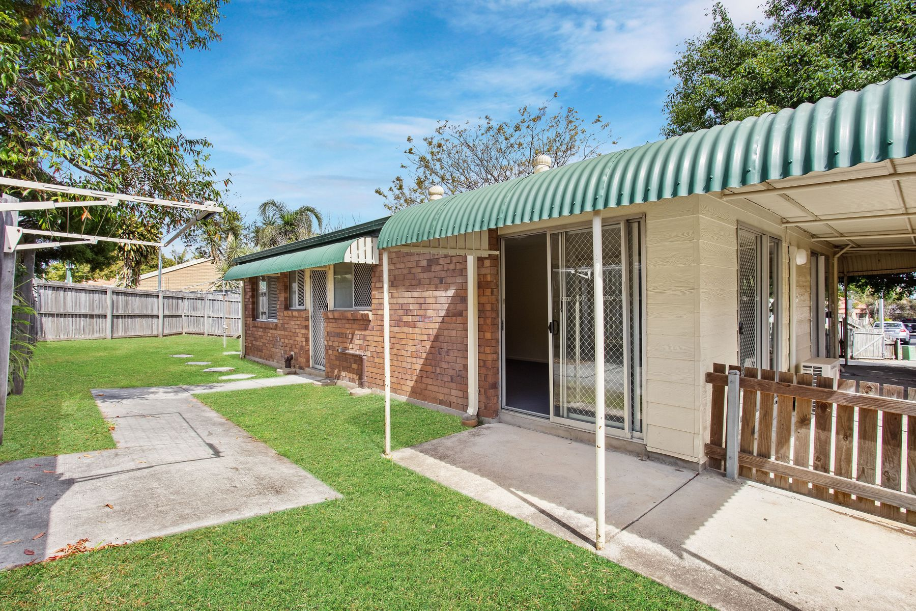 10 Banks Crescent, Wynnum West, QLD 4178