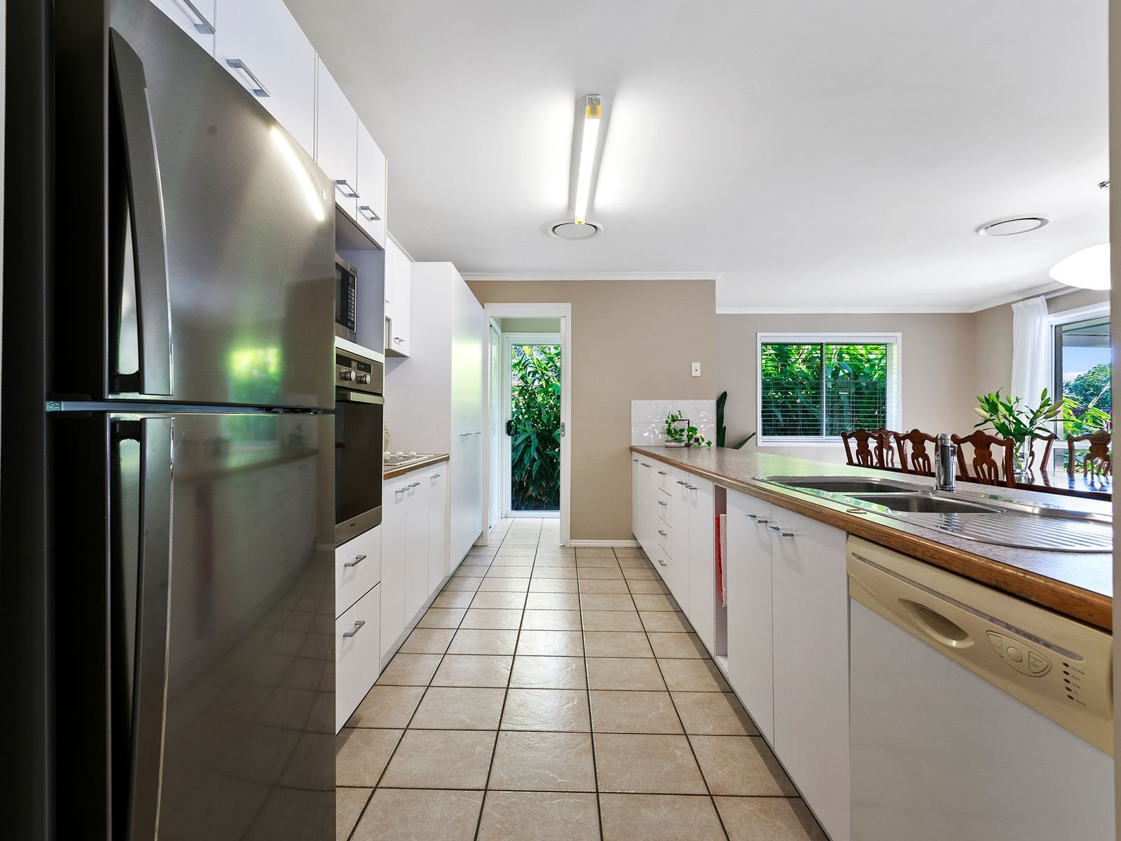 10 Cambridge Court, Sippy Downs, QLD 4556