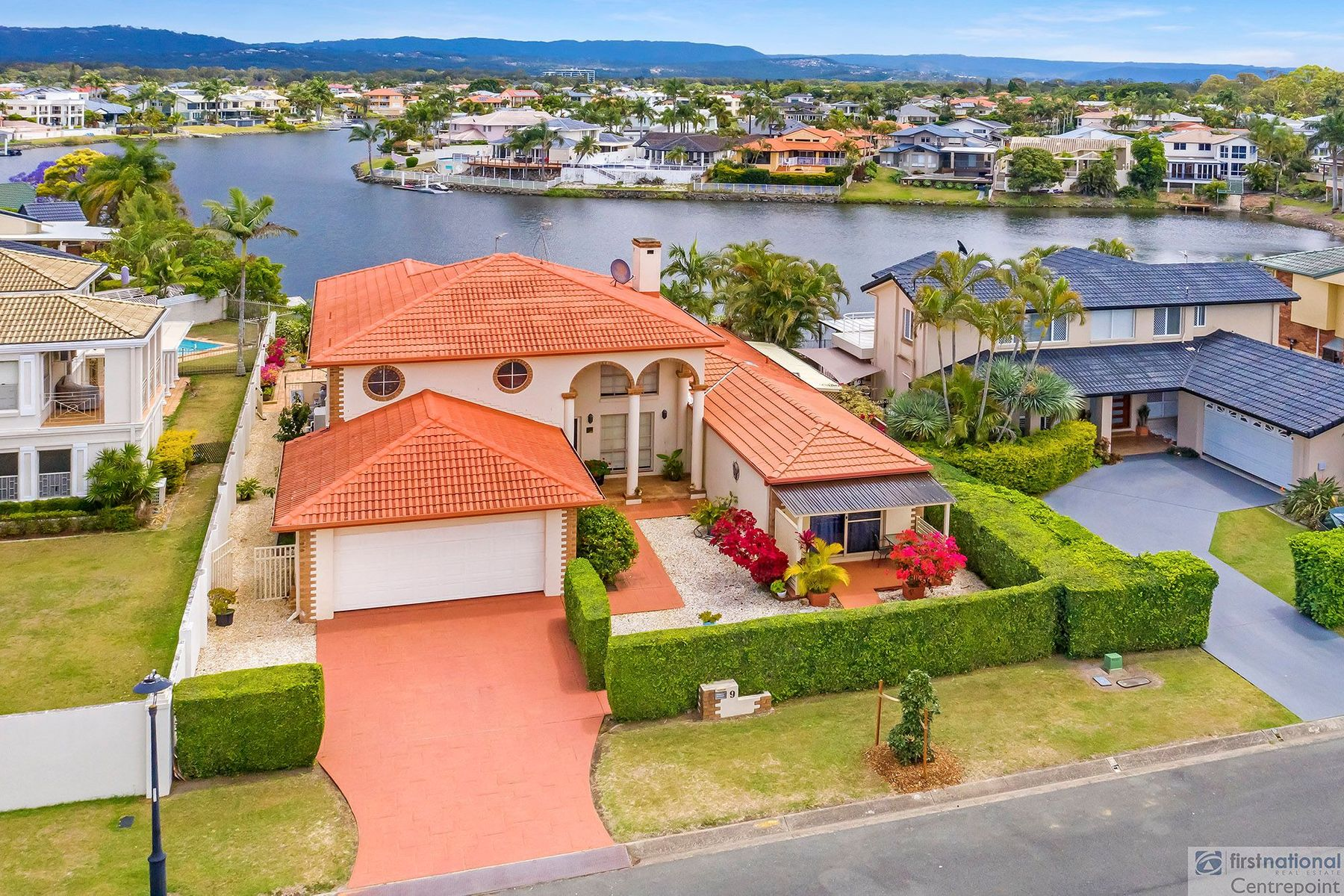 9 Antigua Way, Clear Island Waters, QLD 4226