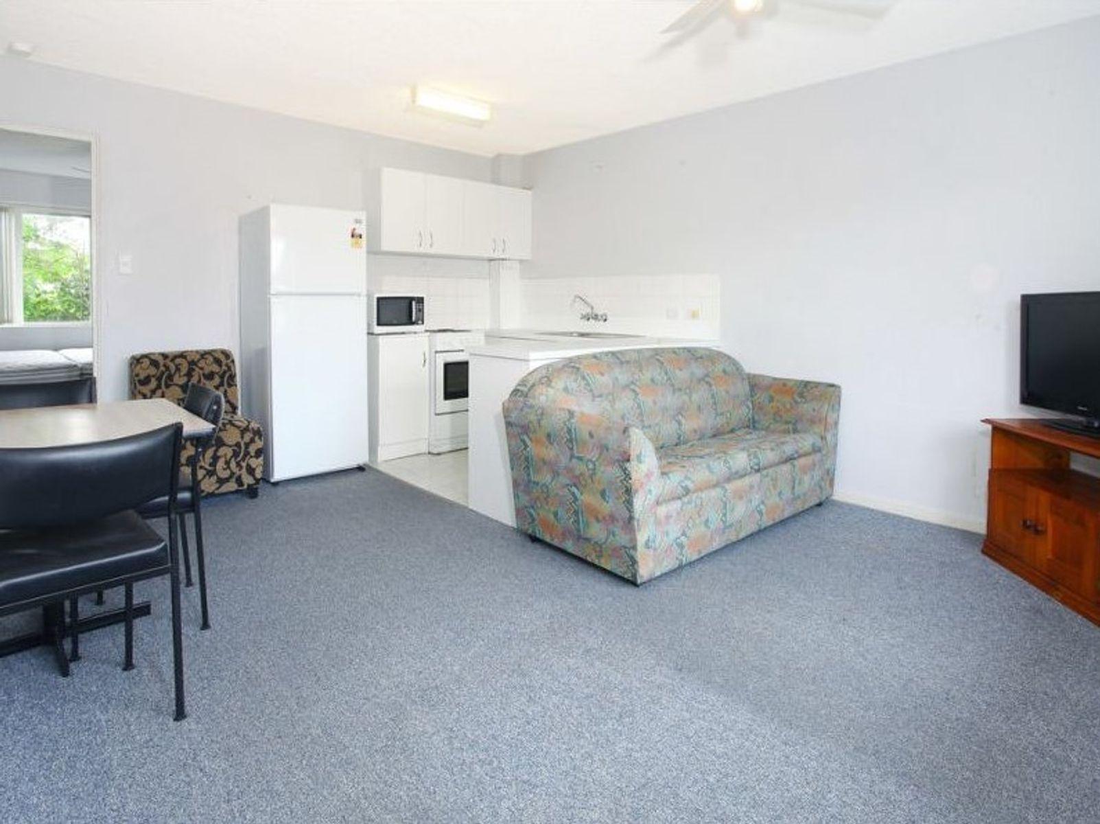 4/22 Leonard Avenue, Surfers Paradise, QLD 4217