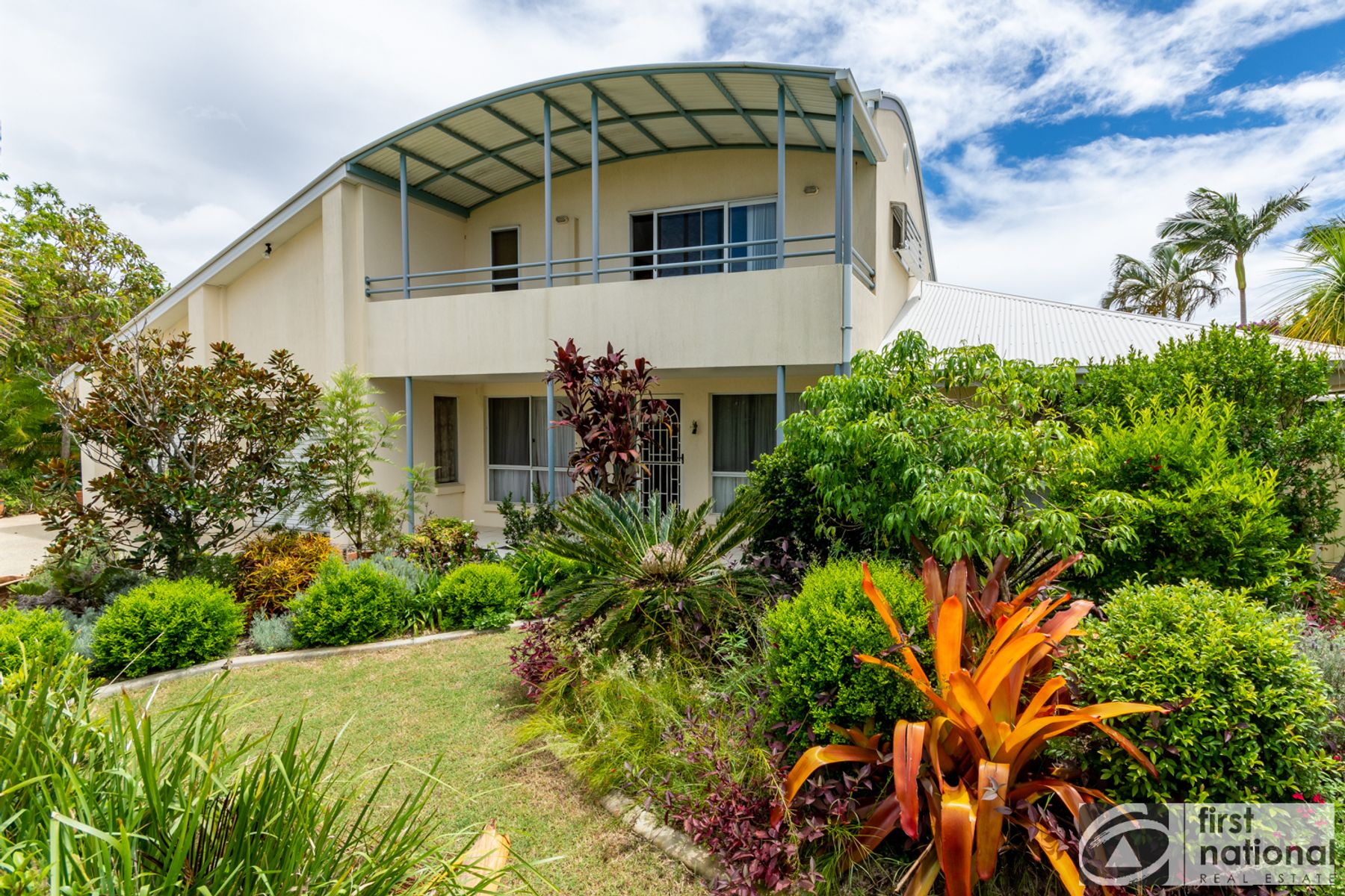 1  Sunbrite Court, Sandstone Point, QLD 4511