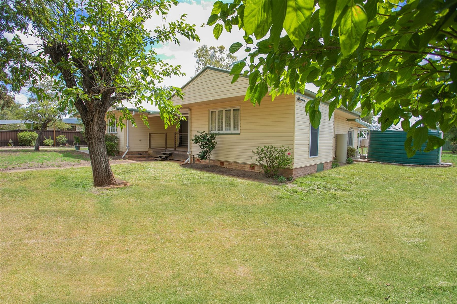 23 Dorney Street, Chinchilla, QLD 4413