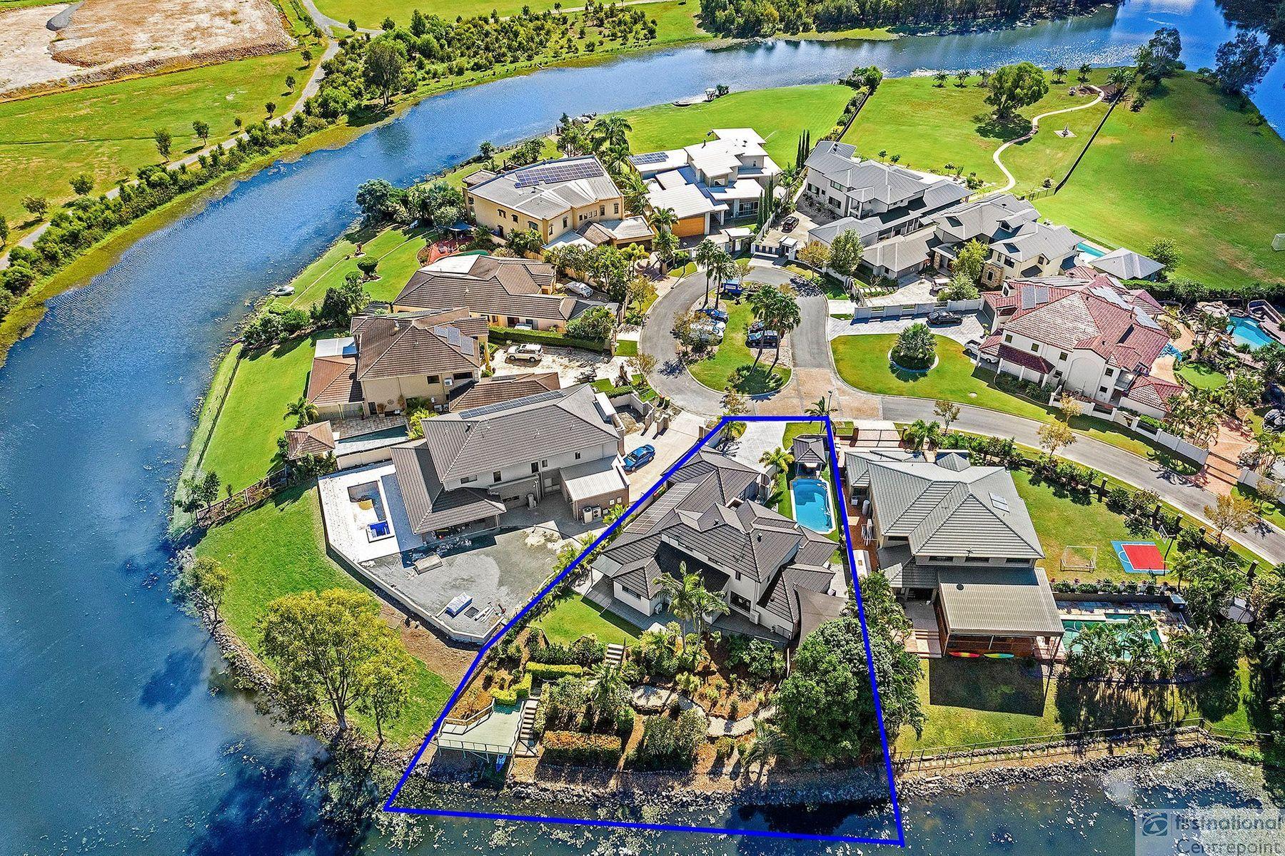 64 Peach Drive, Robina, QLD 4226