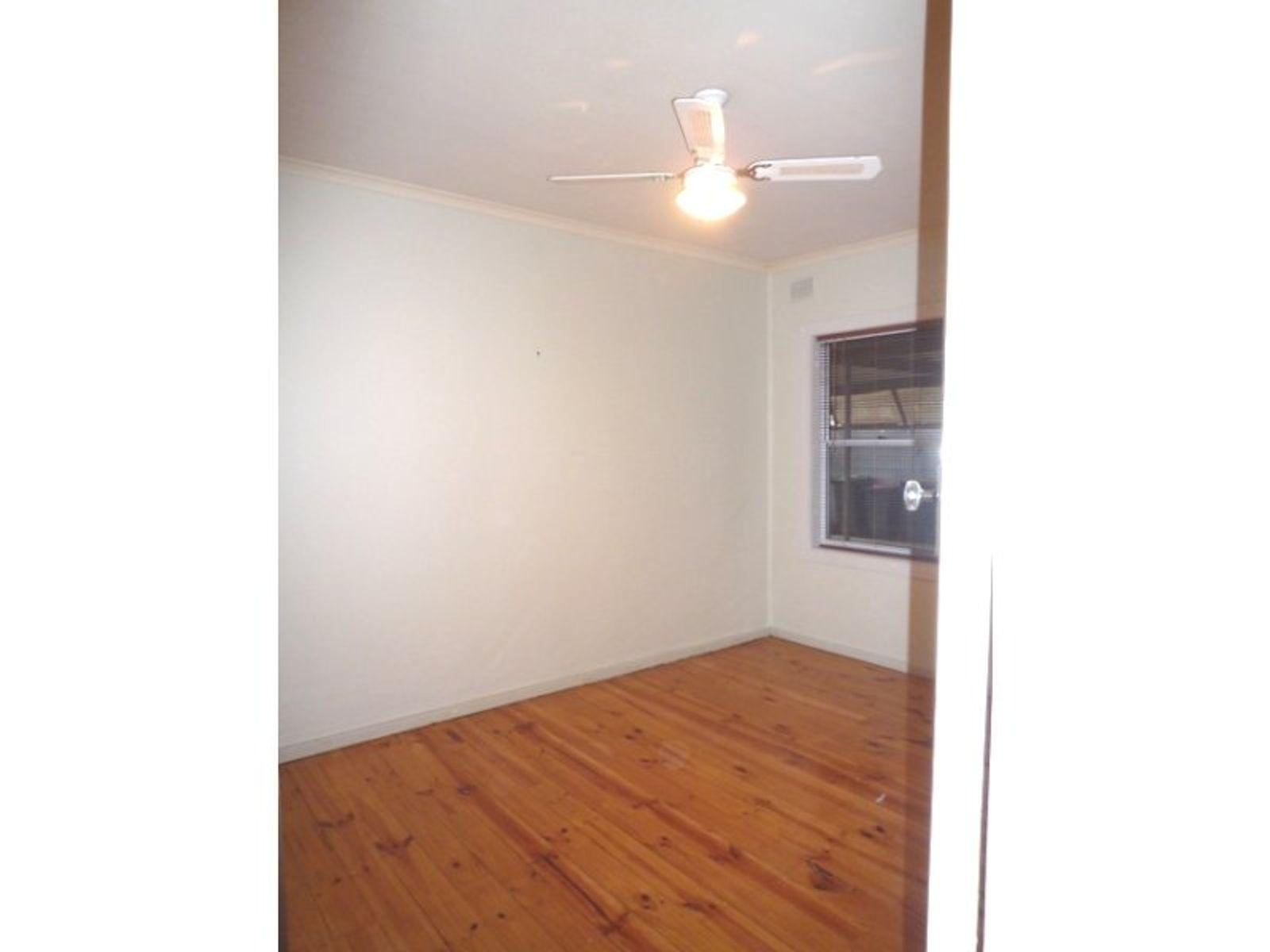 5 Farnham Avenue, Salisbury North, SA 5108