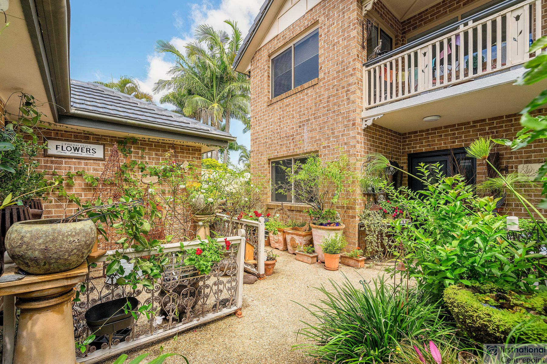 11 Conadilly Court, Carrara, QLD 4211