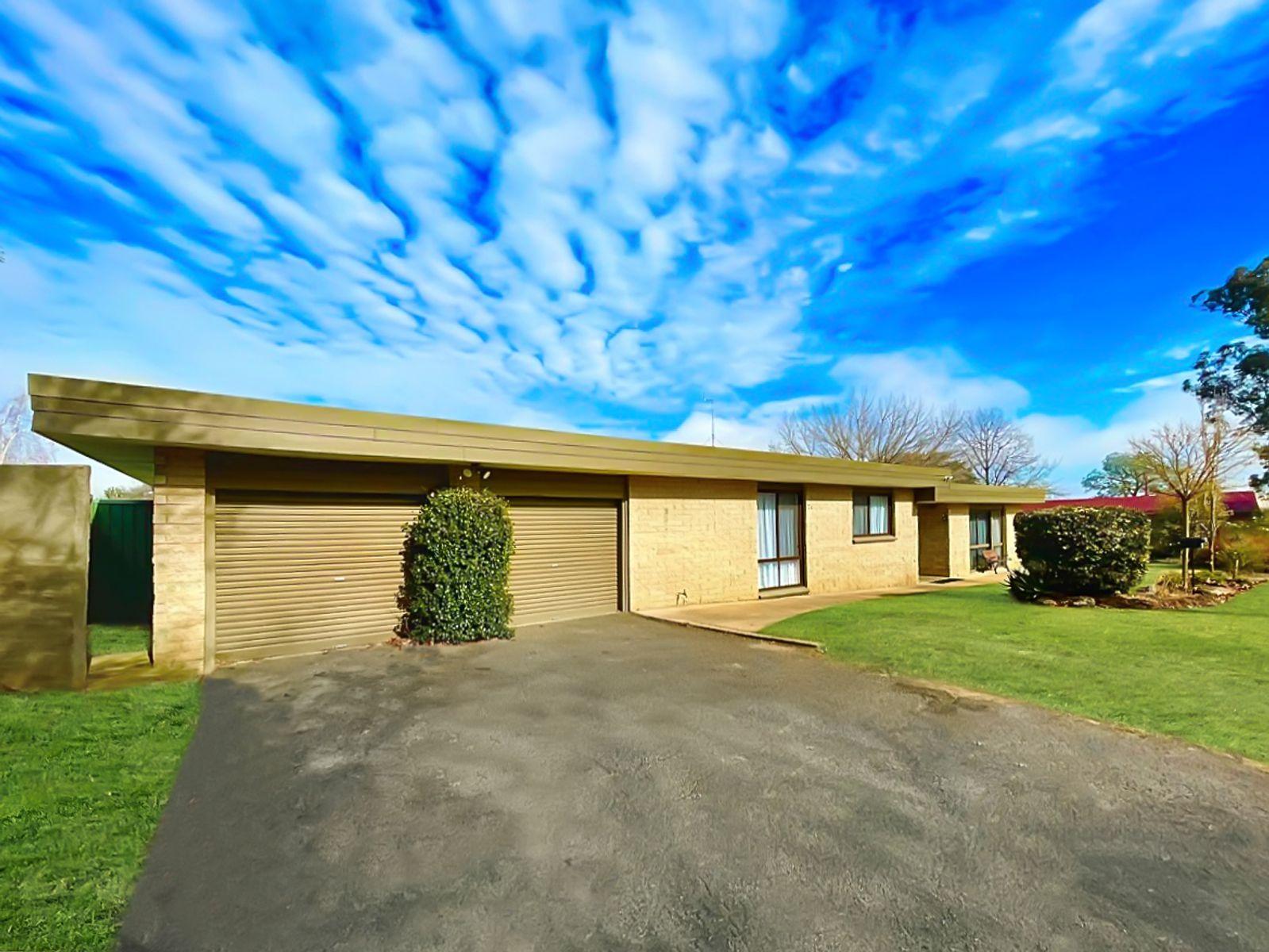 2 Alpugi Place, Kelso, NSW 2795
