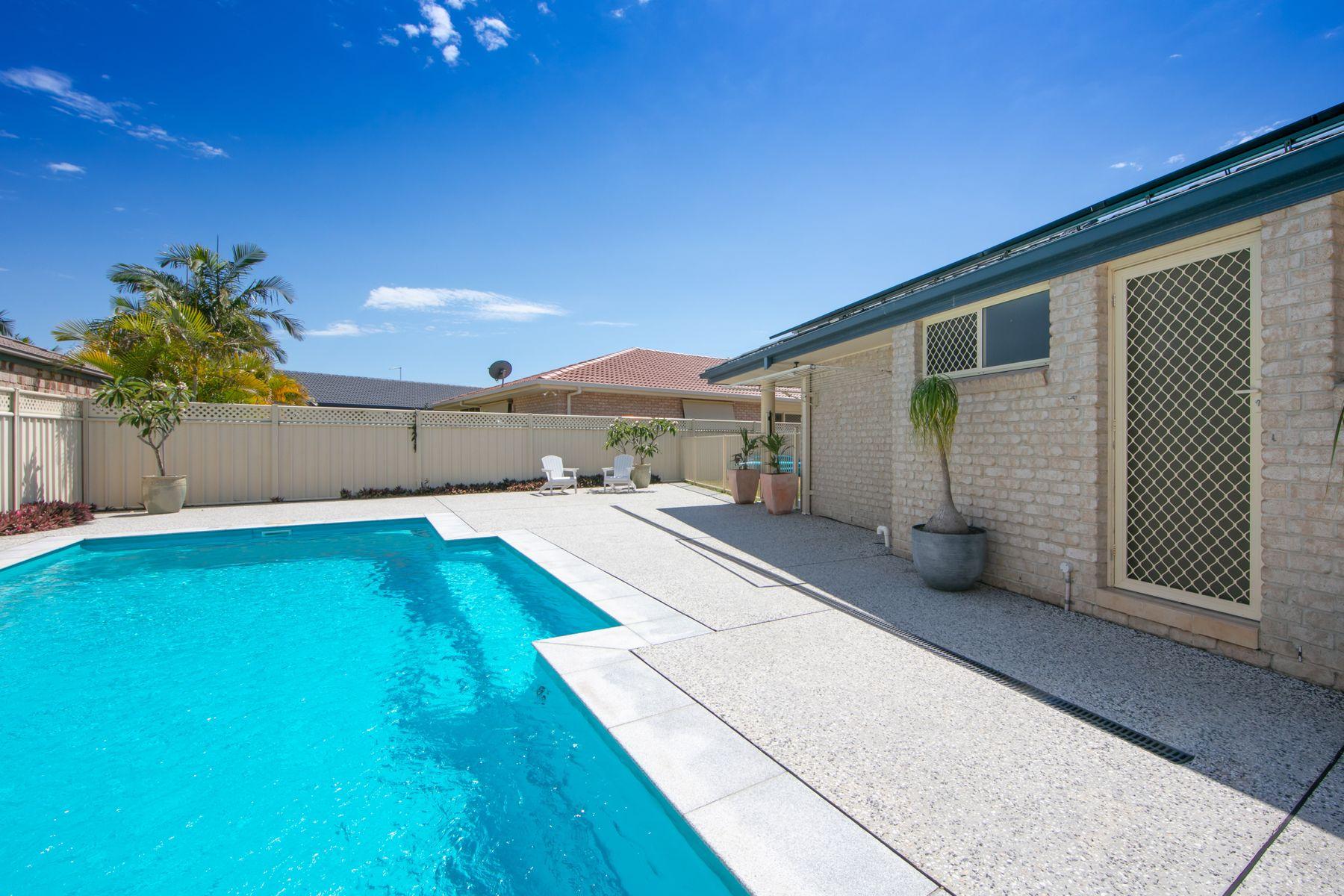 17 Bayview Drive, Yamba, NSW 2464