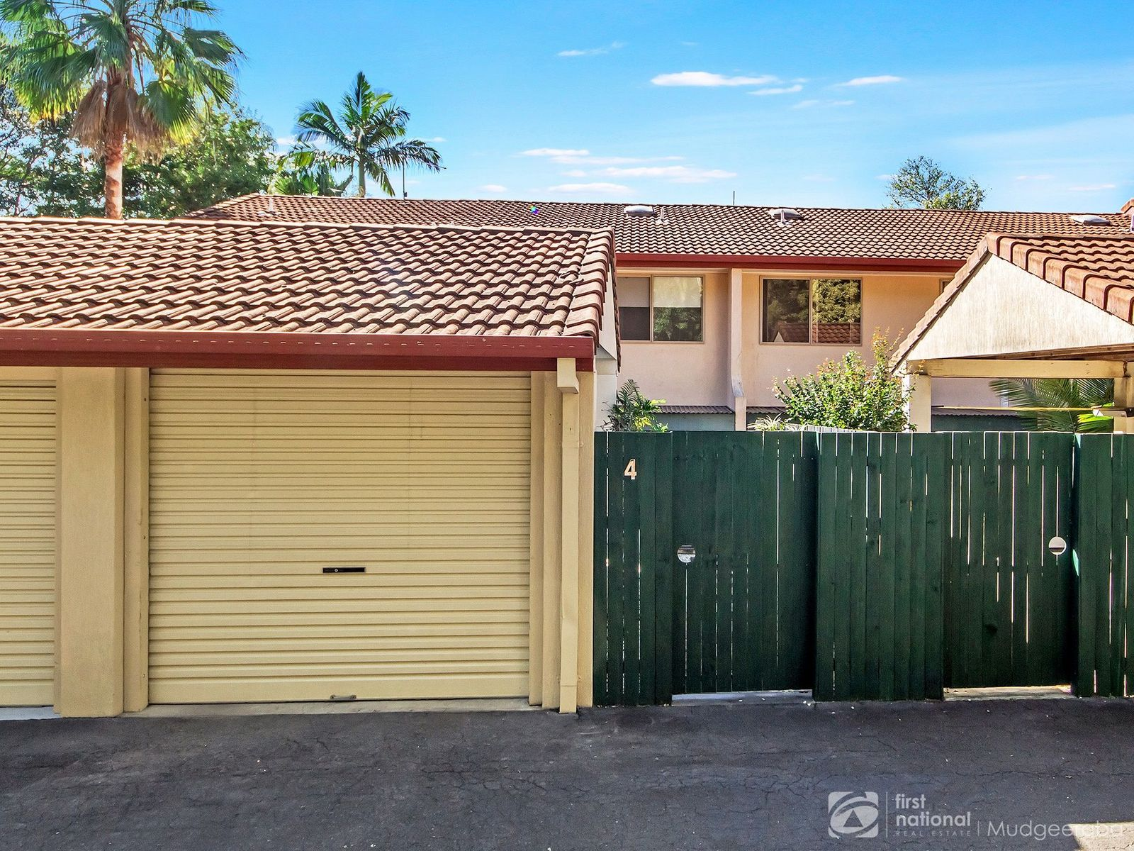 4/4 Sherwood Close, Mudgeeraba, QLD 4213