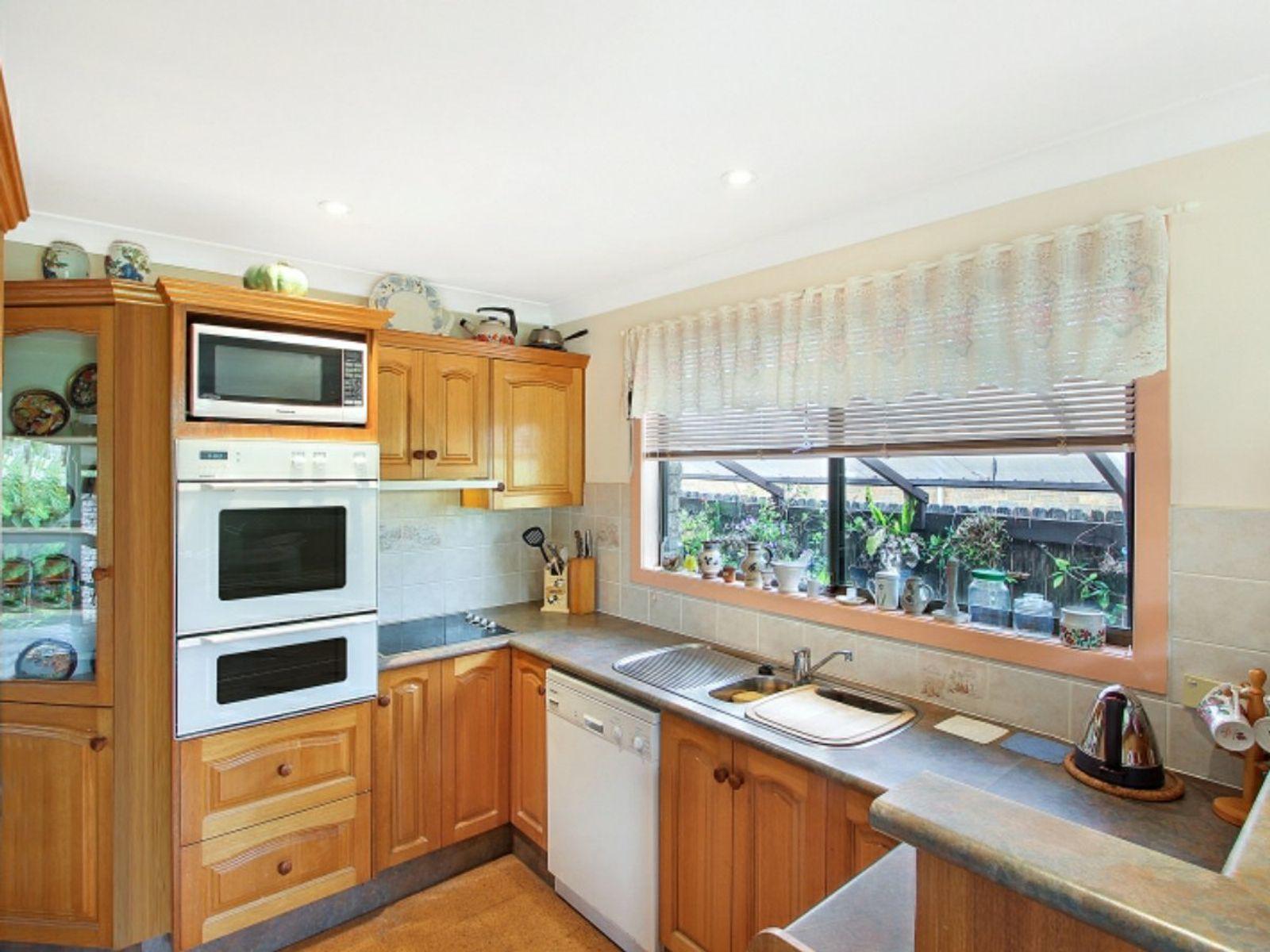 2 Wondaboyne Avenue, Charmhaven, NSW 2263
