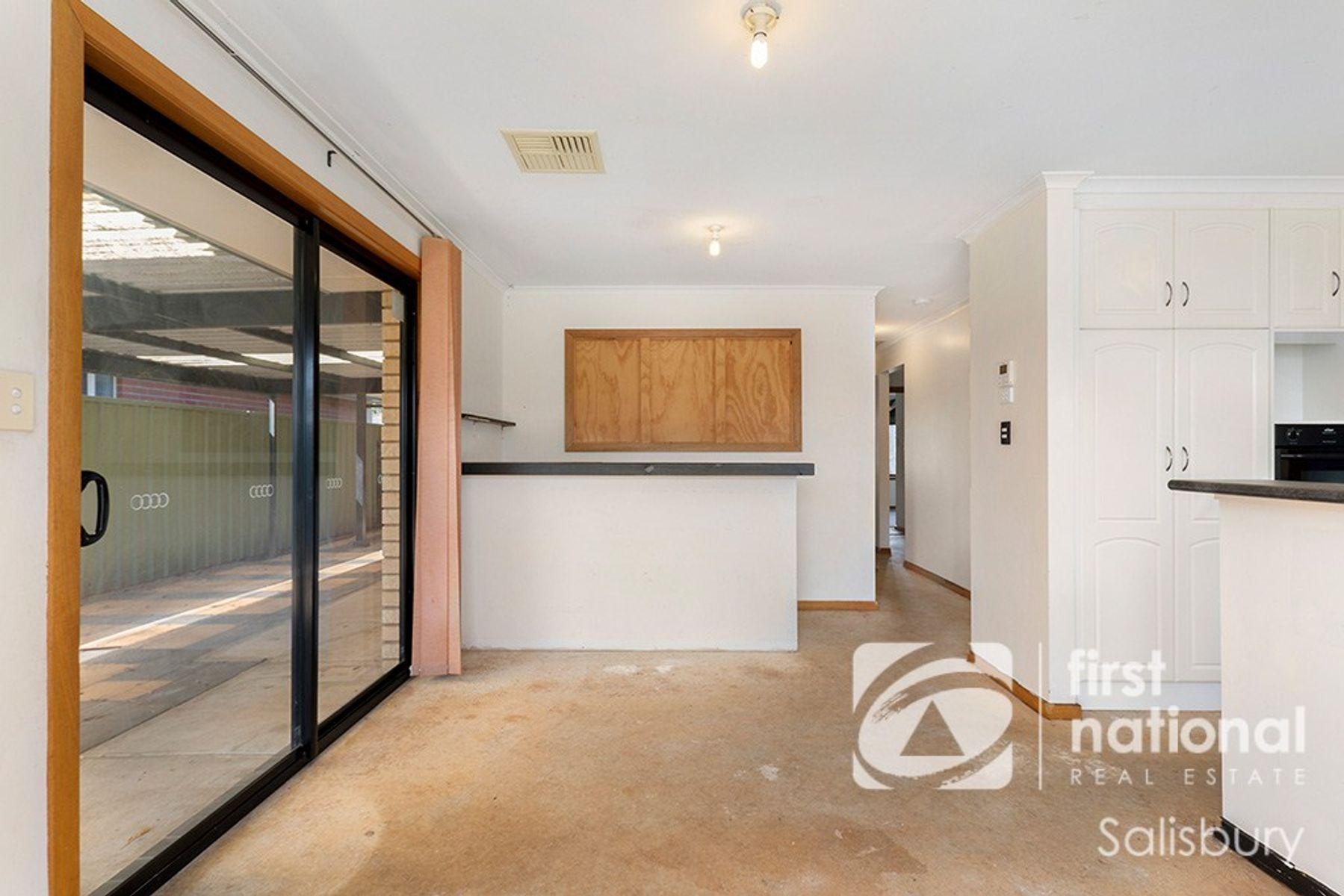 17 Milford Avenue, Salisbury North, SA 5108