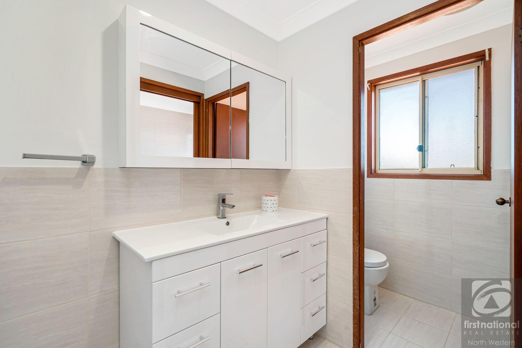 10 Sampson Crescent, Quakers Hill, NSW 2763