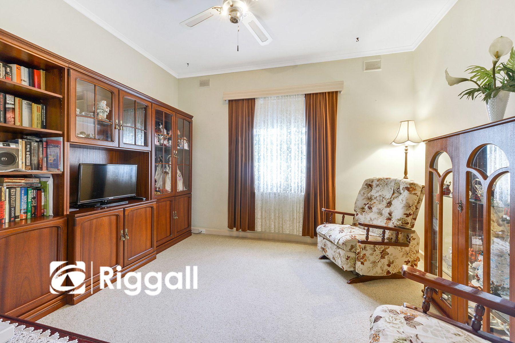1 Harrison Grove, Northfield, SA 5085