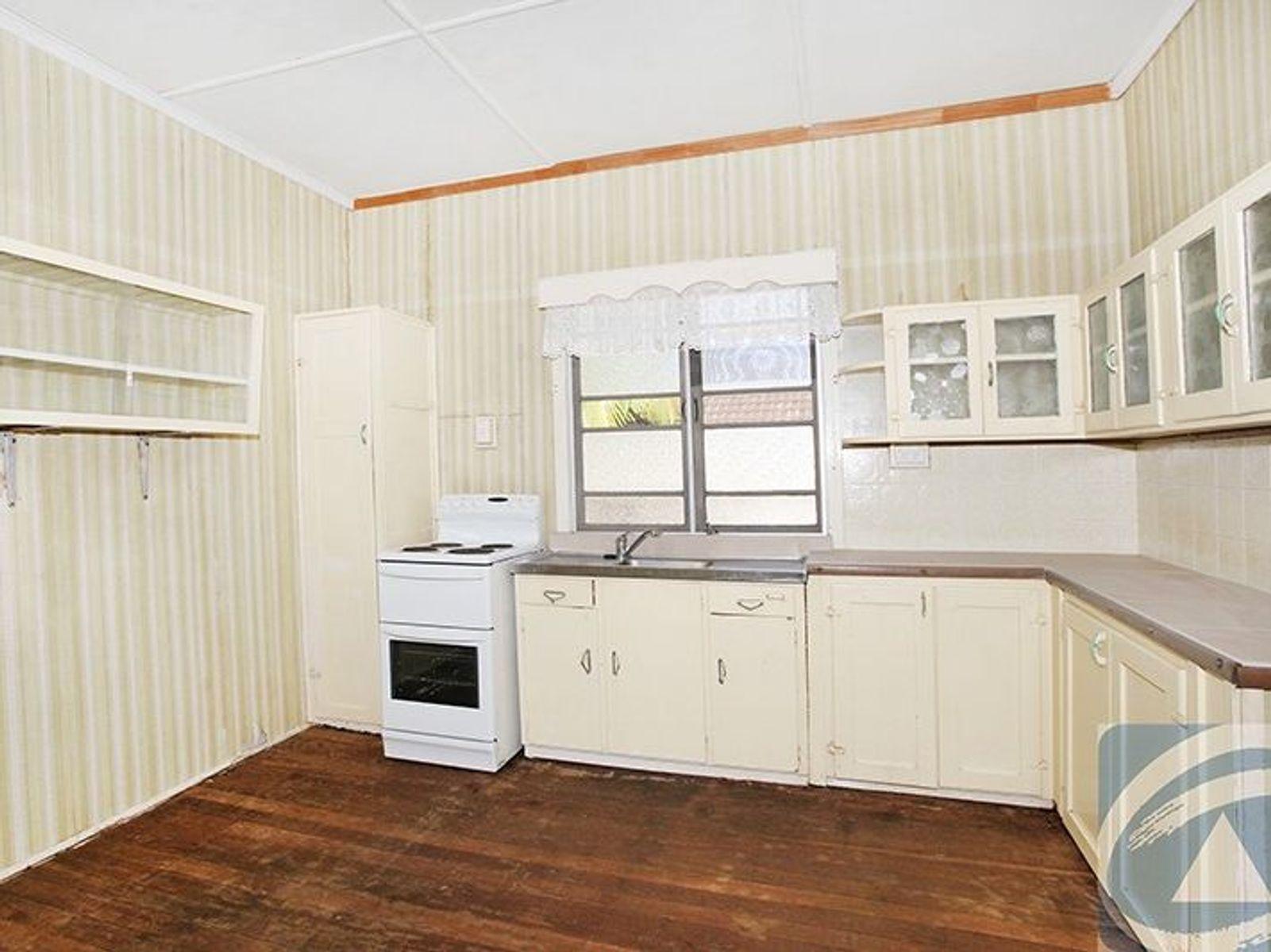 16 Hill Street, Nambour, QLD 4560