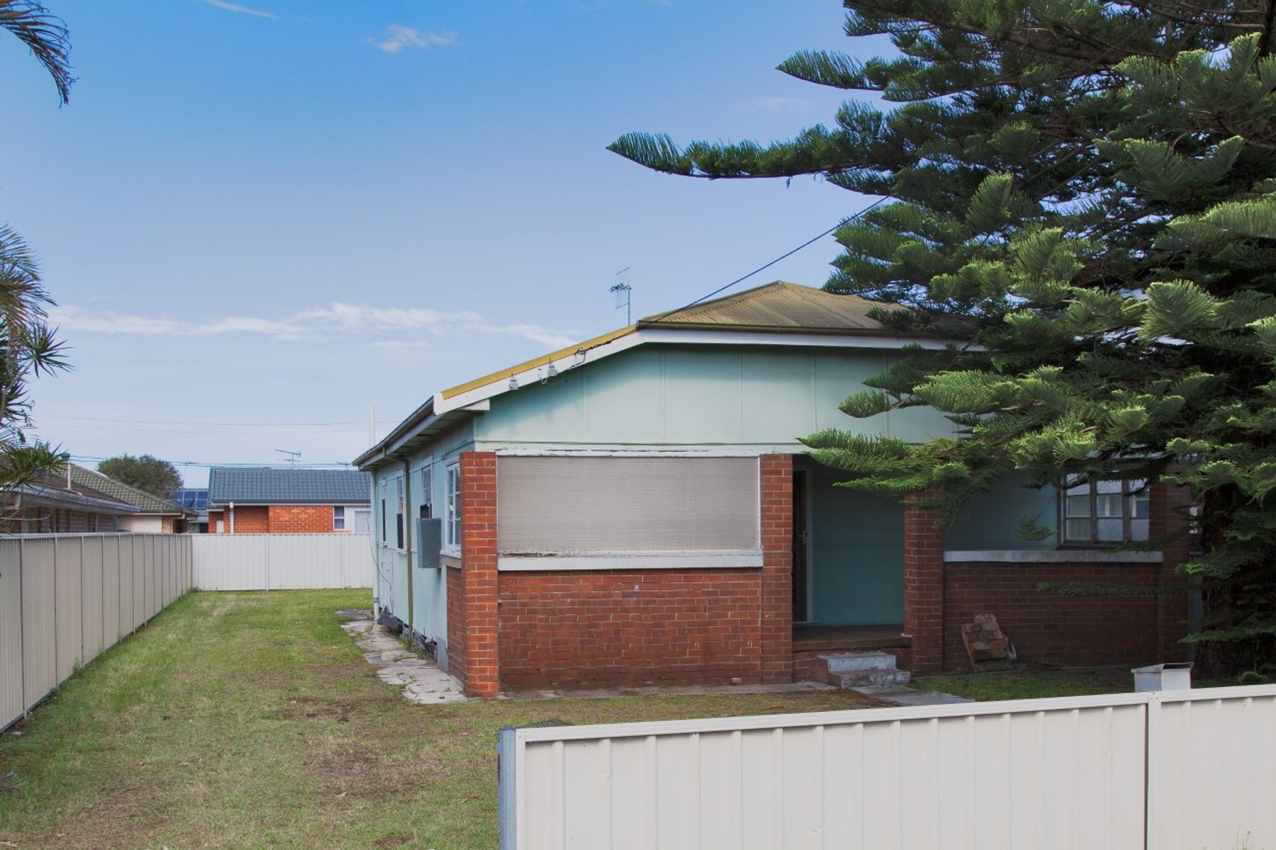 747 Pacific Highway, Belmont South, NSW 2280