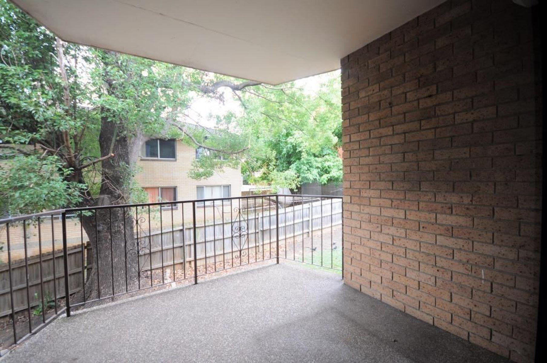 2/114 Railway Street, Granville, NSW 2142