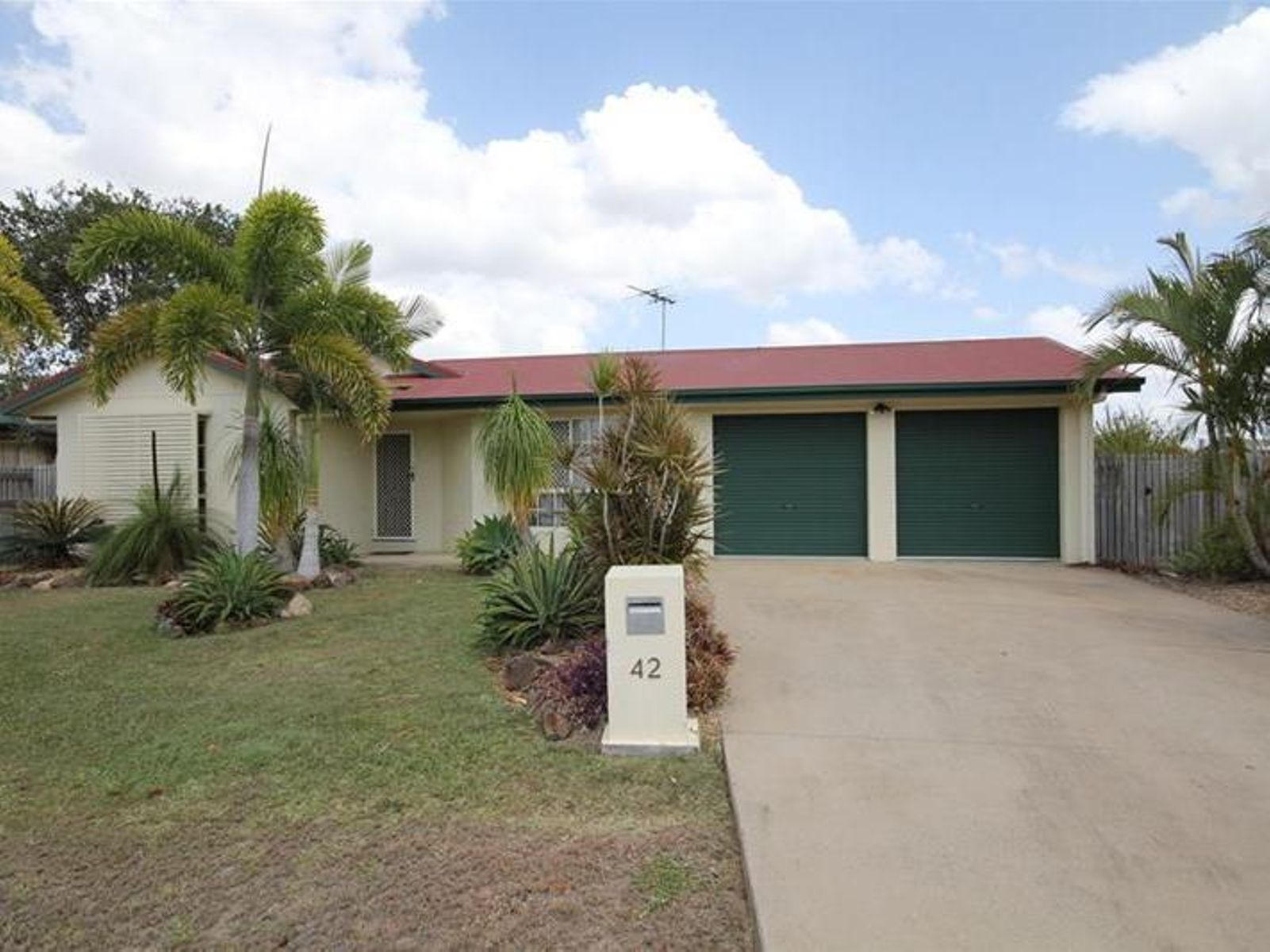 42 Jacana Crescent, Condon, QLD 4815