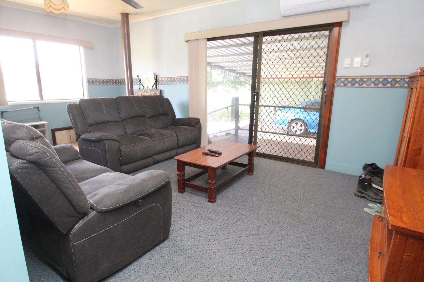 34 Rayleigh Street, Wallangarra, QLD 4383
