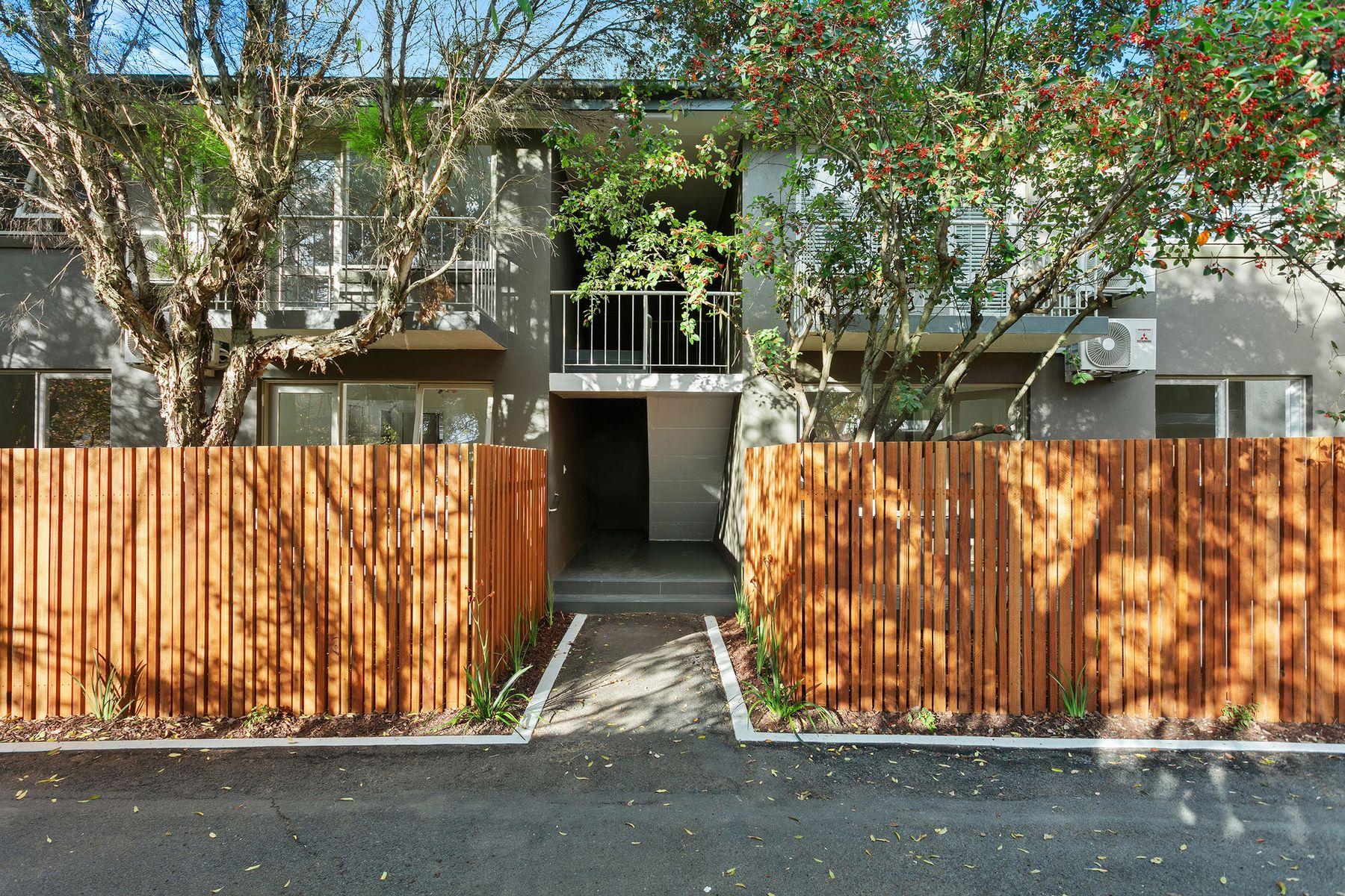23 Hallam Street, Quarry Hill, VIC 3550
