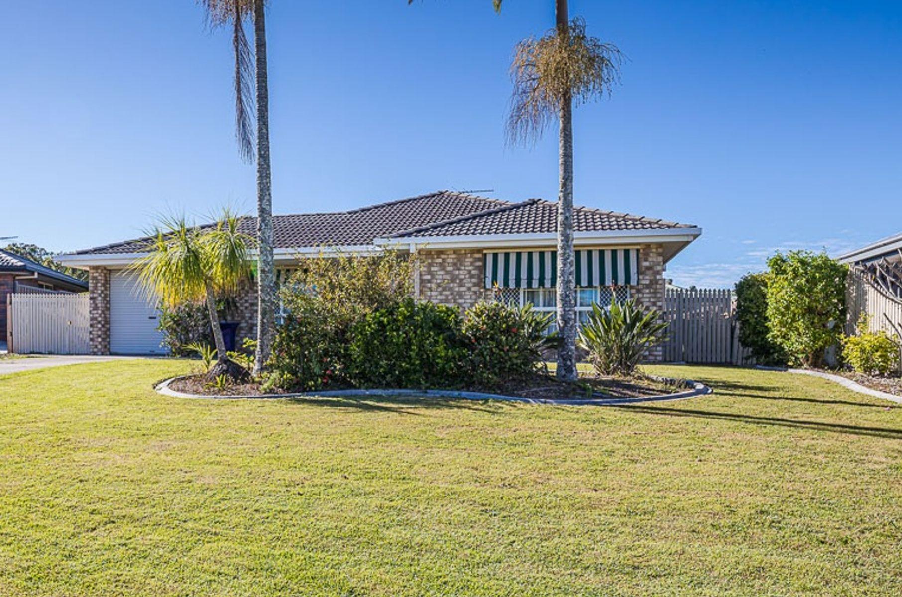 6 Lancaster Place, Sandstone Point, QLD 4511