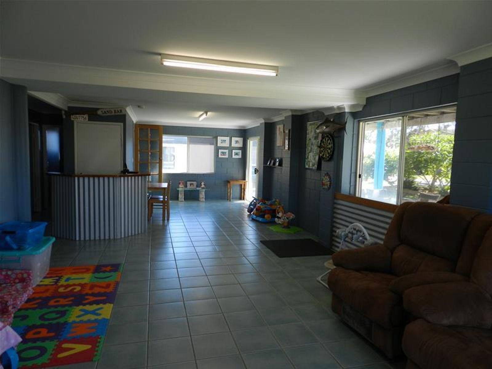 31 Poole Street, Sarina Beach, QLD 4737