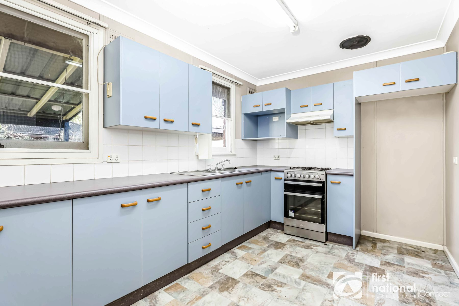 17 Douglas St, Hobartville, NSW 2753