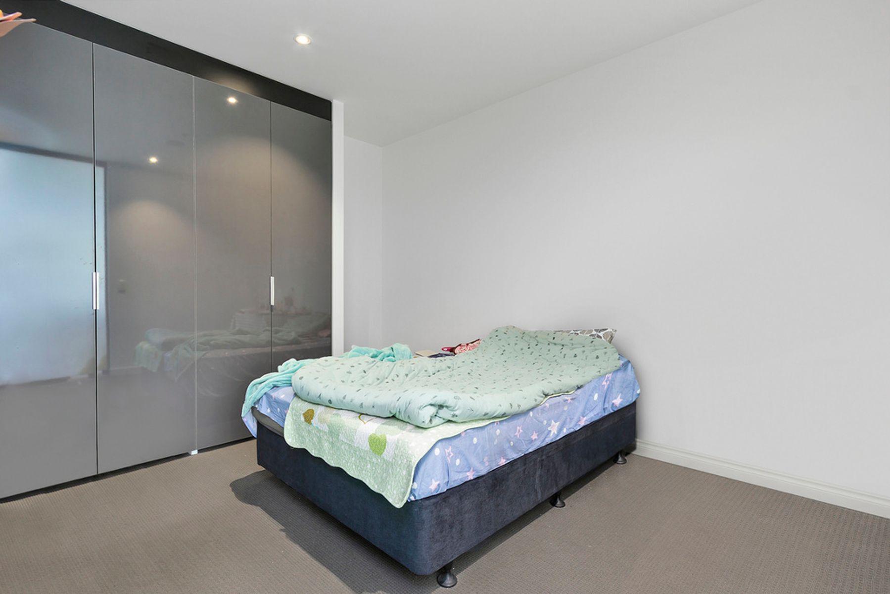 5204R/33  Rose Lane, Melbourne, VIC 3000