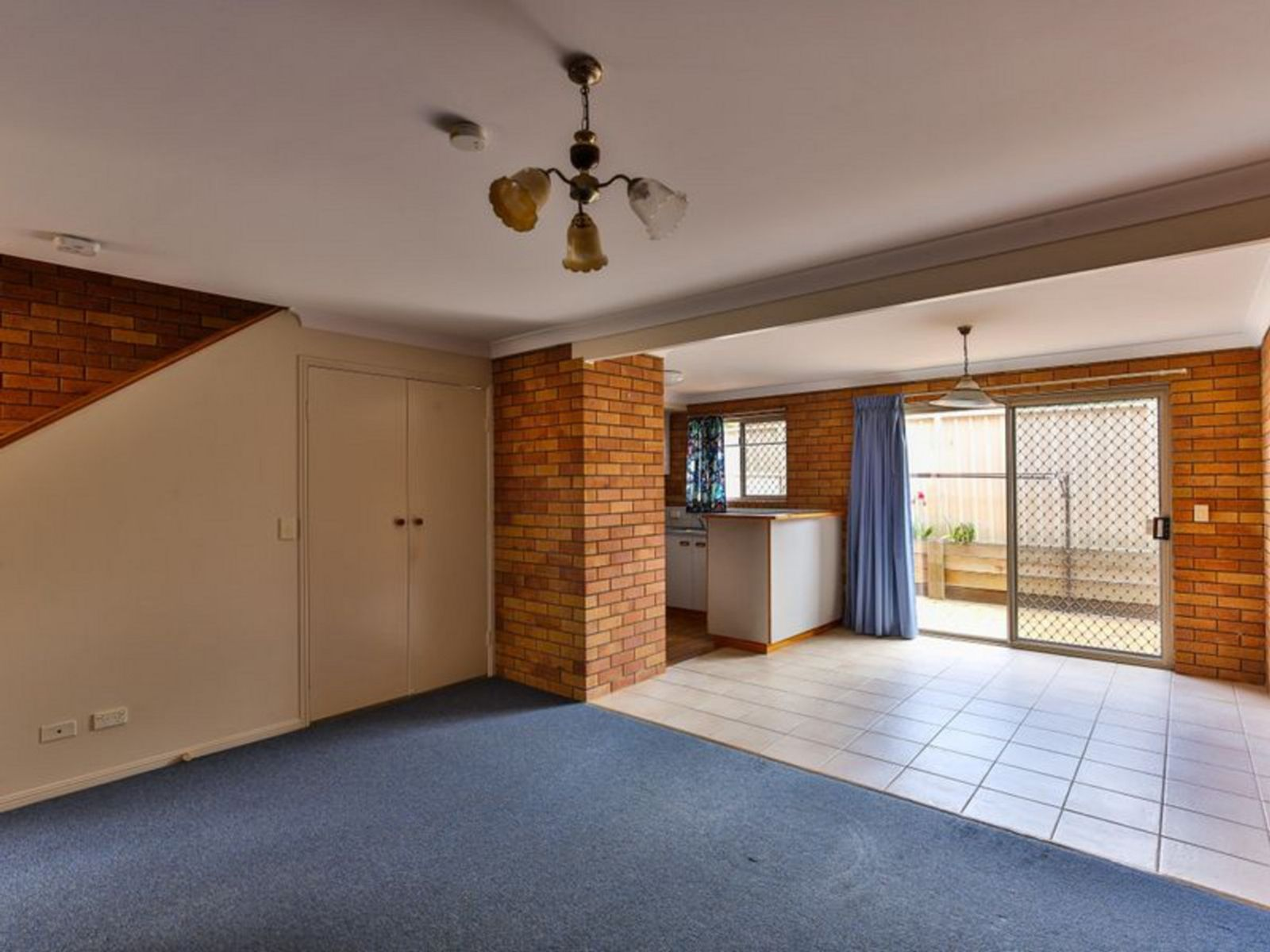 2/6 Cortess Street, Kearneys Spring, QLD 4350