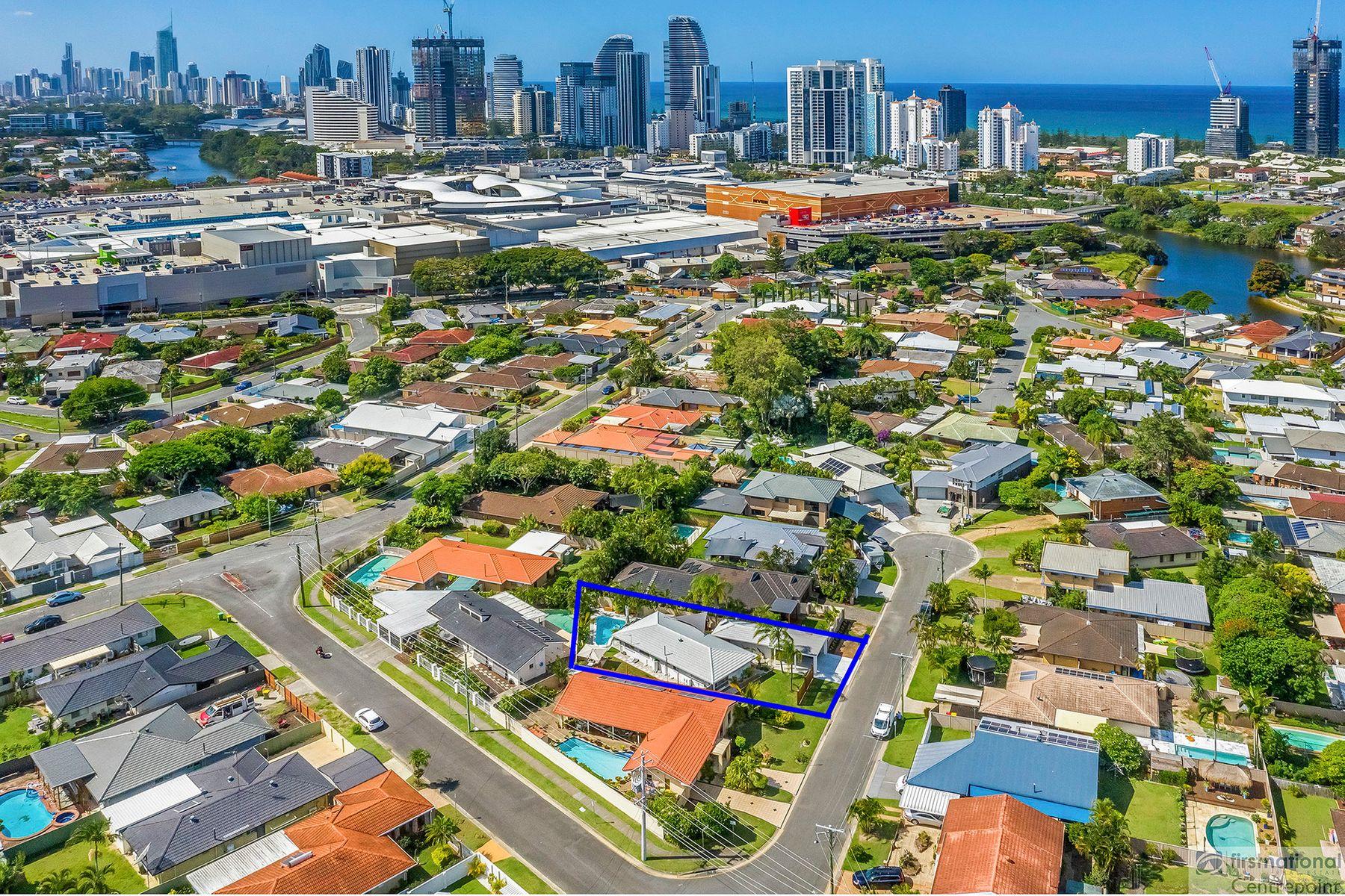 4 Chianti Avenue, Mermaid Waters, QLD 4218