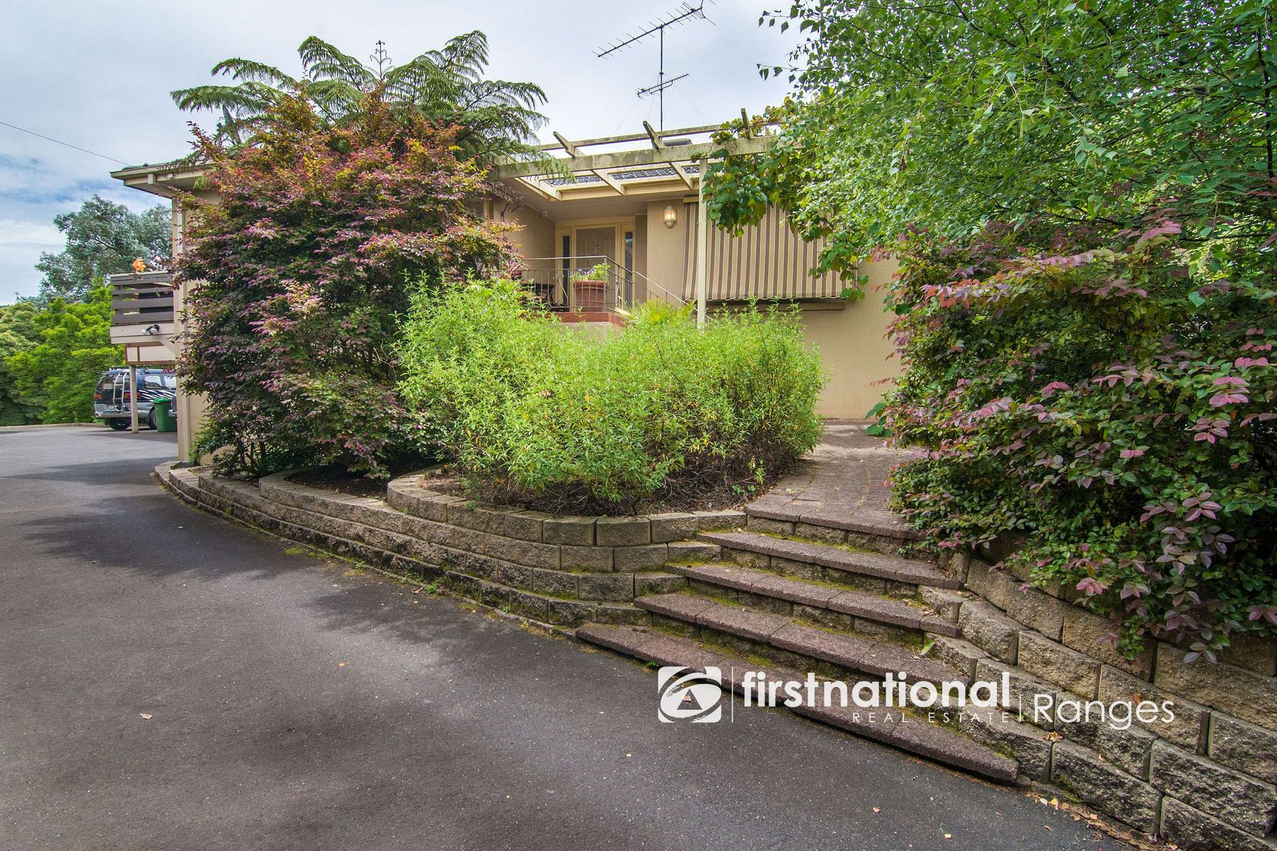 33 Moores Road, Monbulk, VIC 3793
