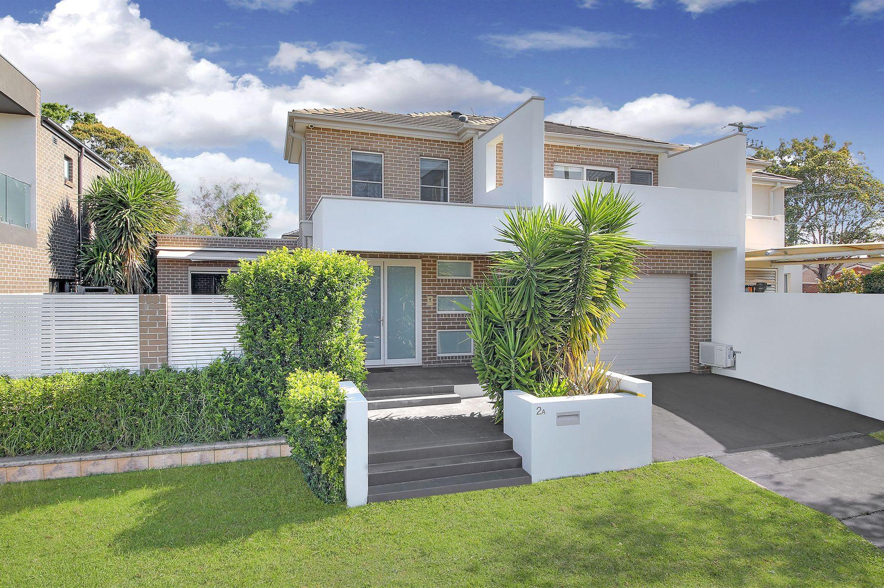 2A Stretham Avenue, Picnic Point, NSW 2213