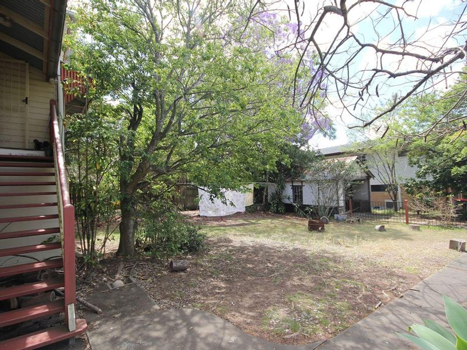 90 Kitchener Street, Sherwood, QLD 4075