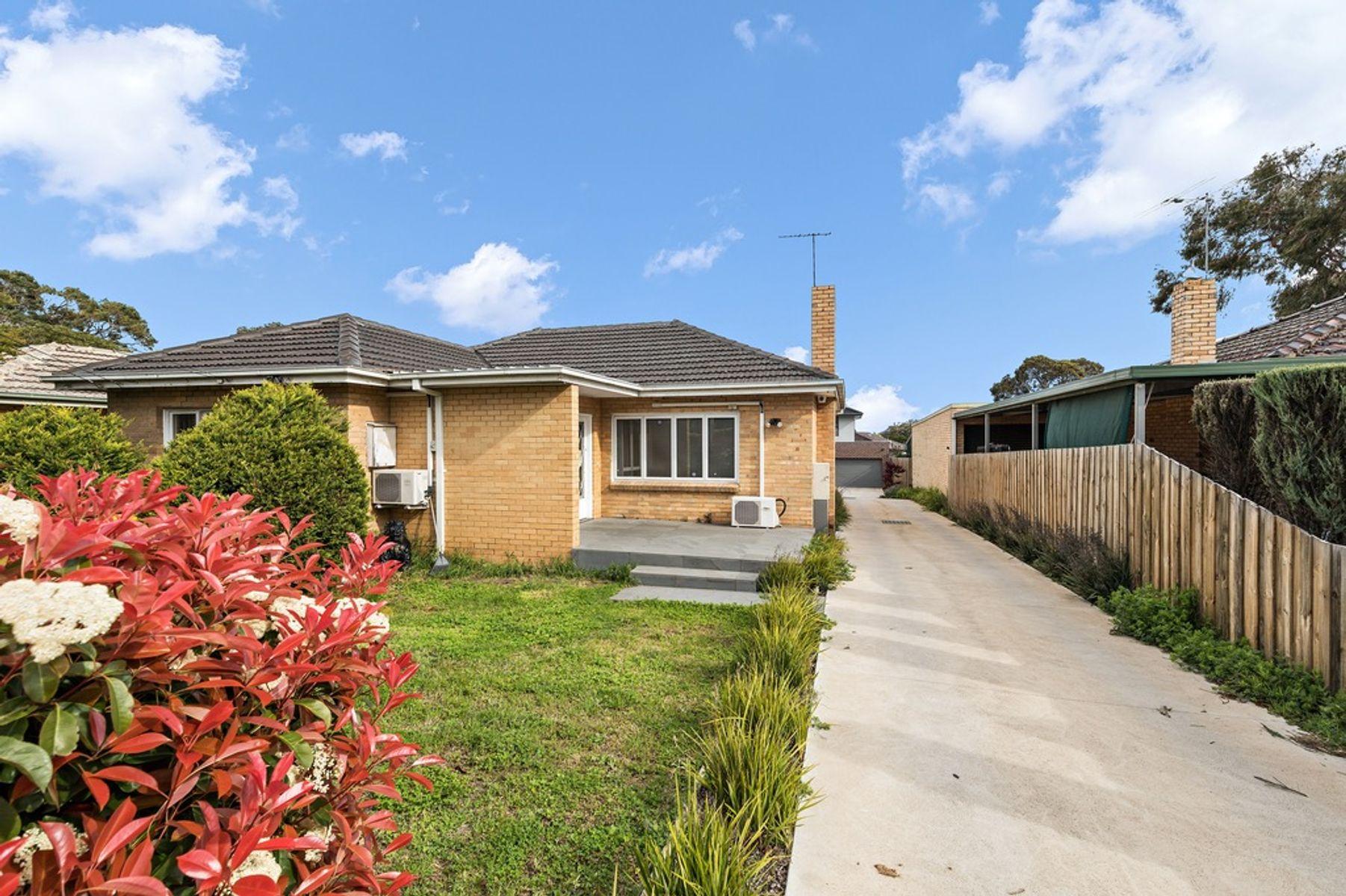 8 Adelaide Avenue, Mount Waverley, VIC 3149