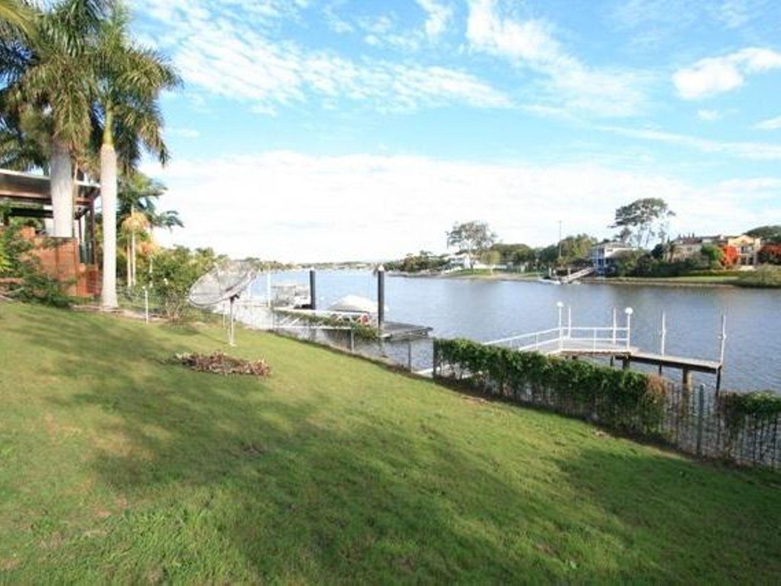 12 Cabana Boulevard, Benowa Waters, QLD 4217