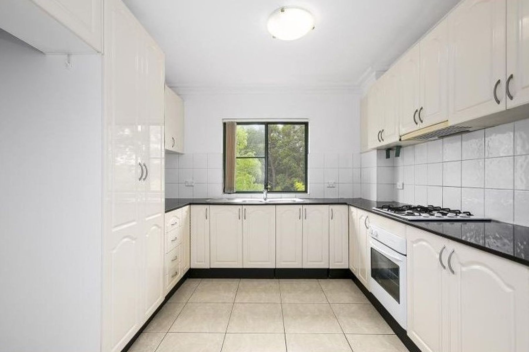 16/11 Cahors Road, Padstow, NSW 2211