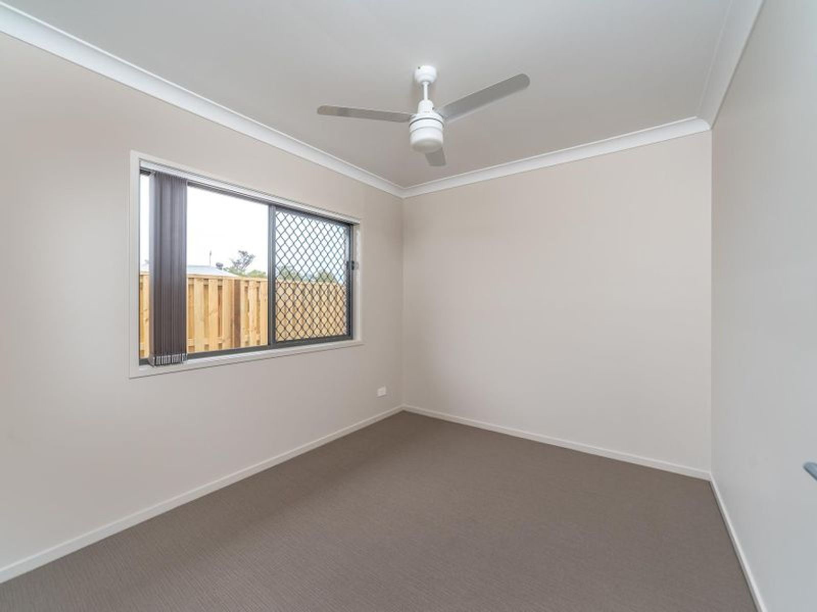 43 Flametree Circuit, Arundel, QLD 4214