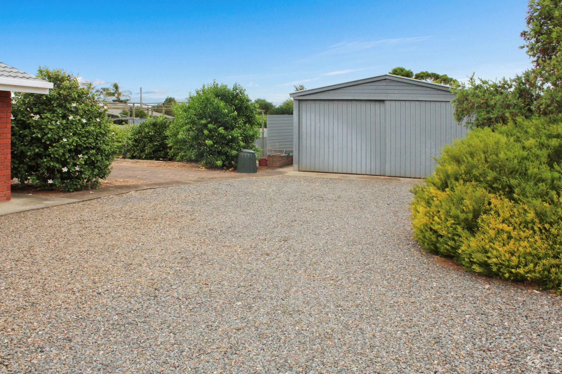 220 Adelaide Road, Murray Bridge, SA 5253