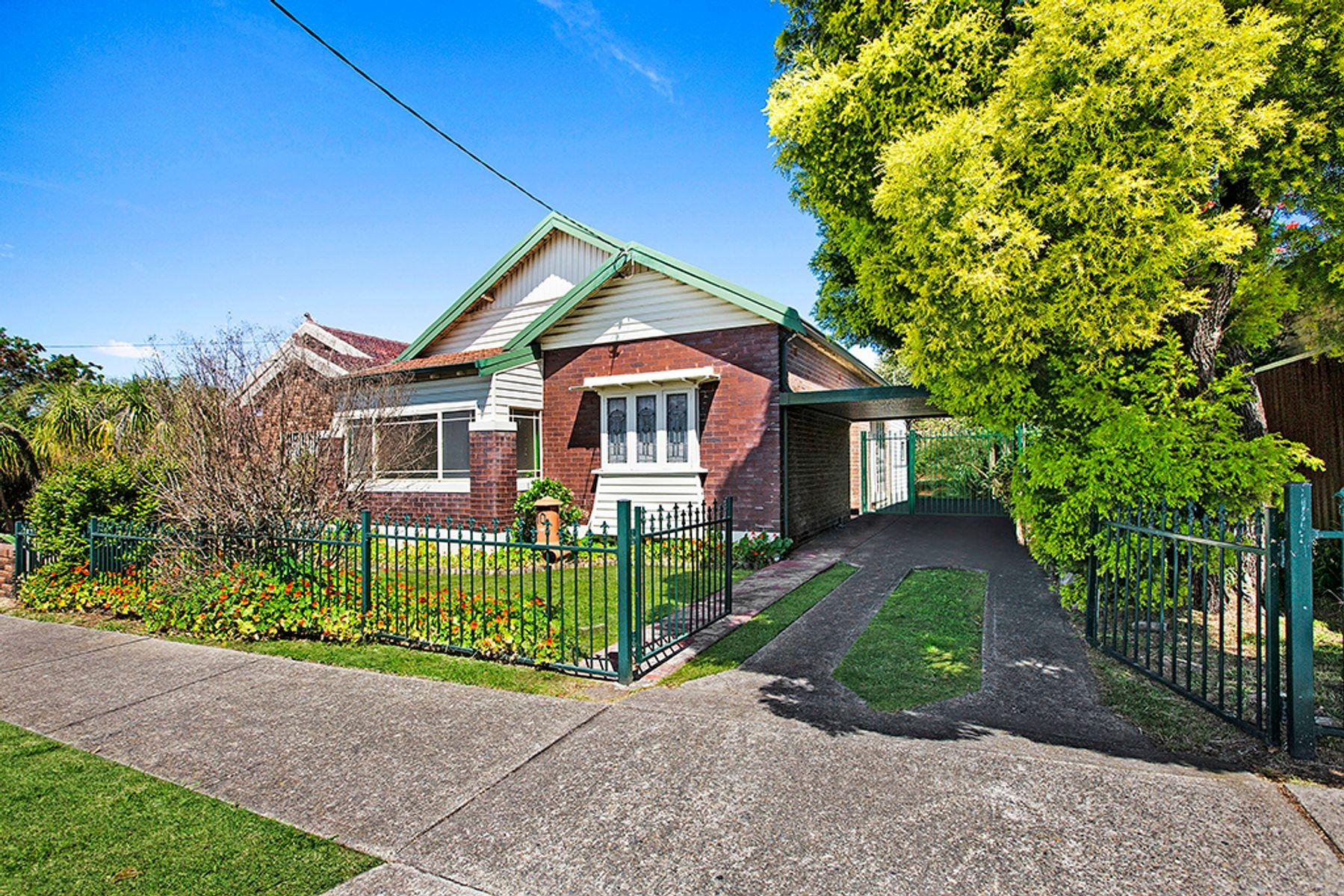 10 Ring Street, Belmore, NSW 2192