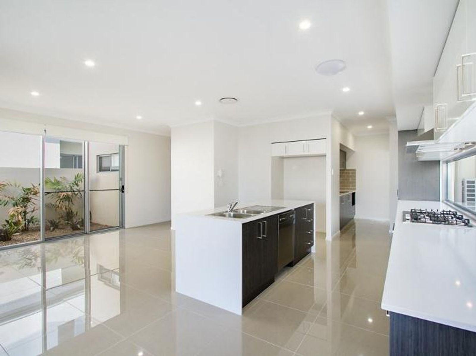 7808 Pavillions Close, Hope Island, QLD 4212