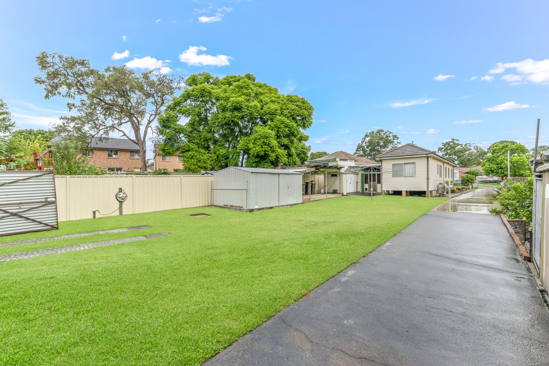 3 Bunbury Road, Macquarie Fields, NSW 2564