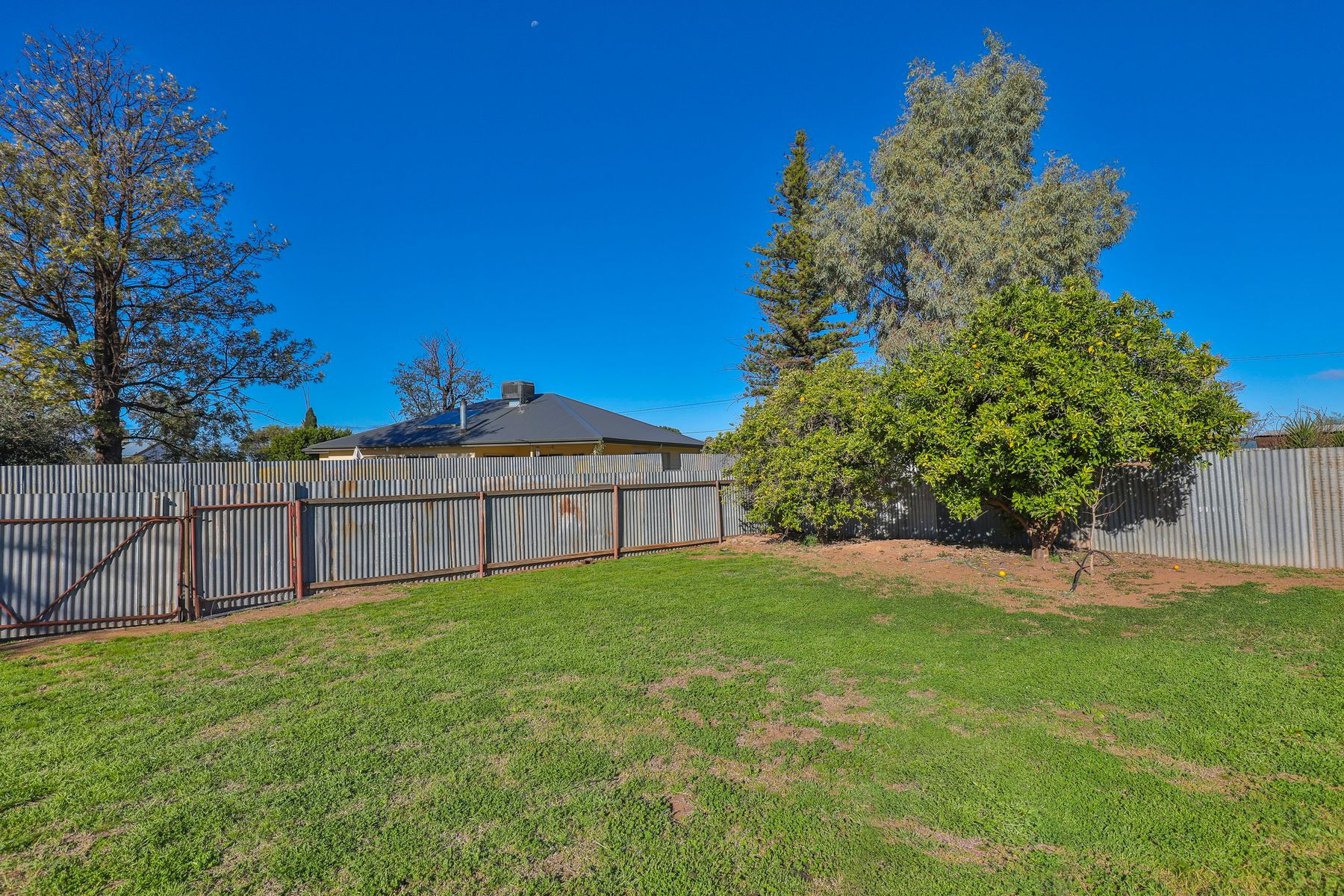 12 The Centreway, Red Cliffs, VIC 3496