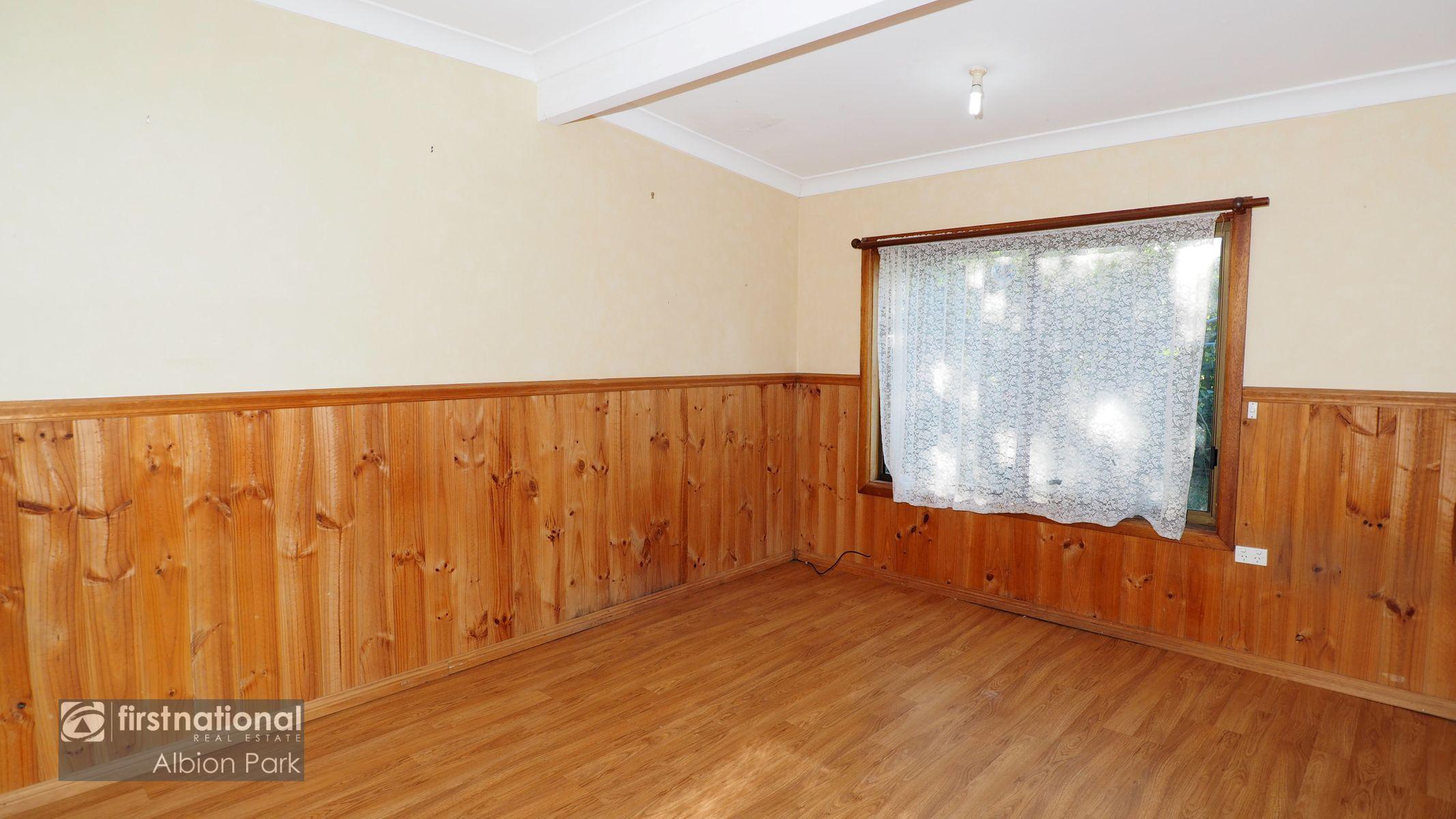 128 Barton Street, Oak Flats, NSW 2529
