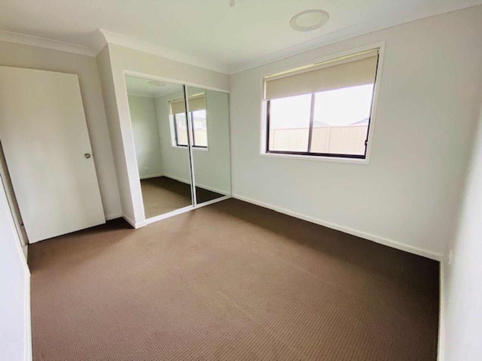 13 Silky Road, Spring Farm, NSW 2570