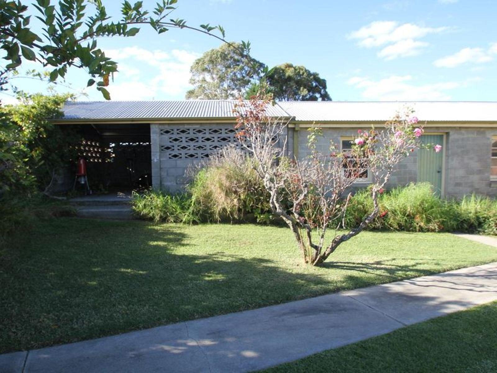 21 Phelhampton Crescent, Jennings, NSW 4383