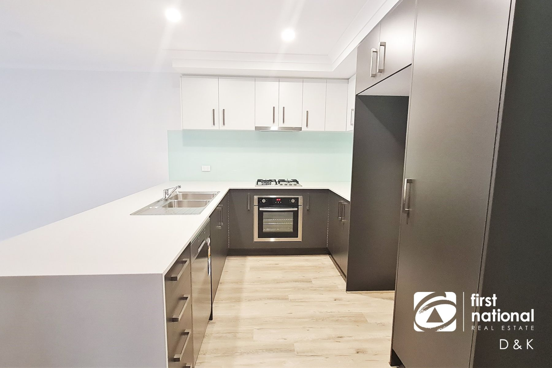 4 Pippen Loop, Fraser Rise, VIC 3336