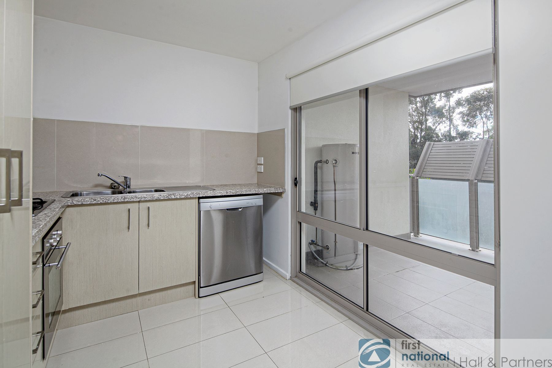 17/12 Close Avenue, Dandenong, VIC 3175