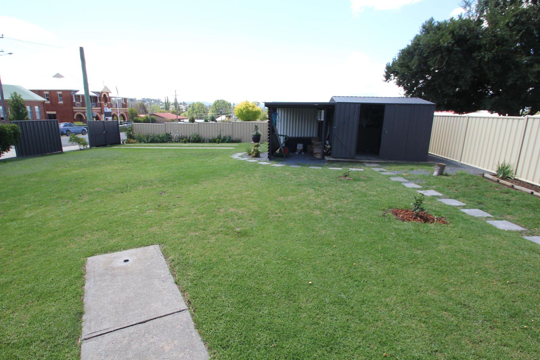 104 Douglas Street, Tenterfield, NSW 2372