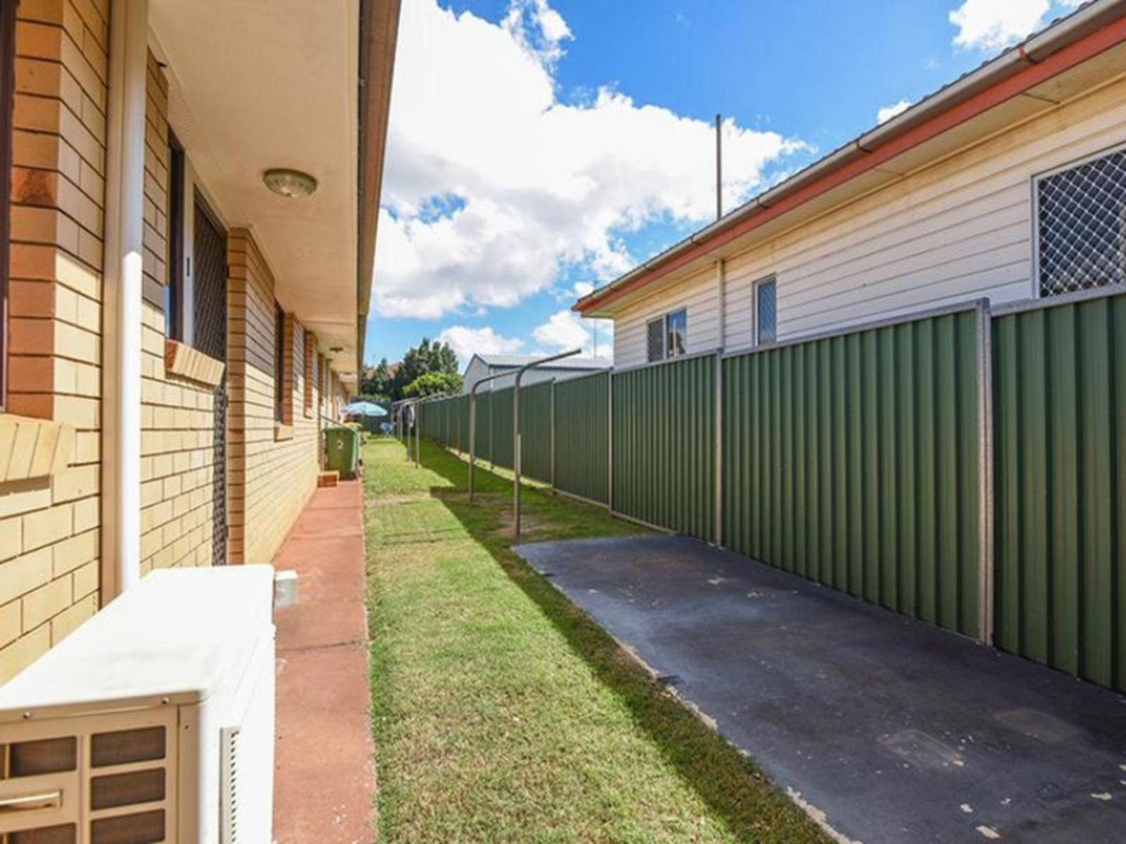 1/343 West Street, Harristown, QLD 4350